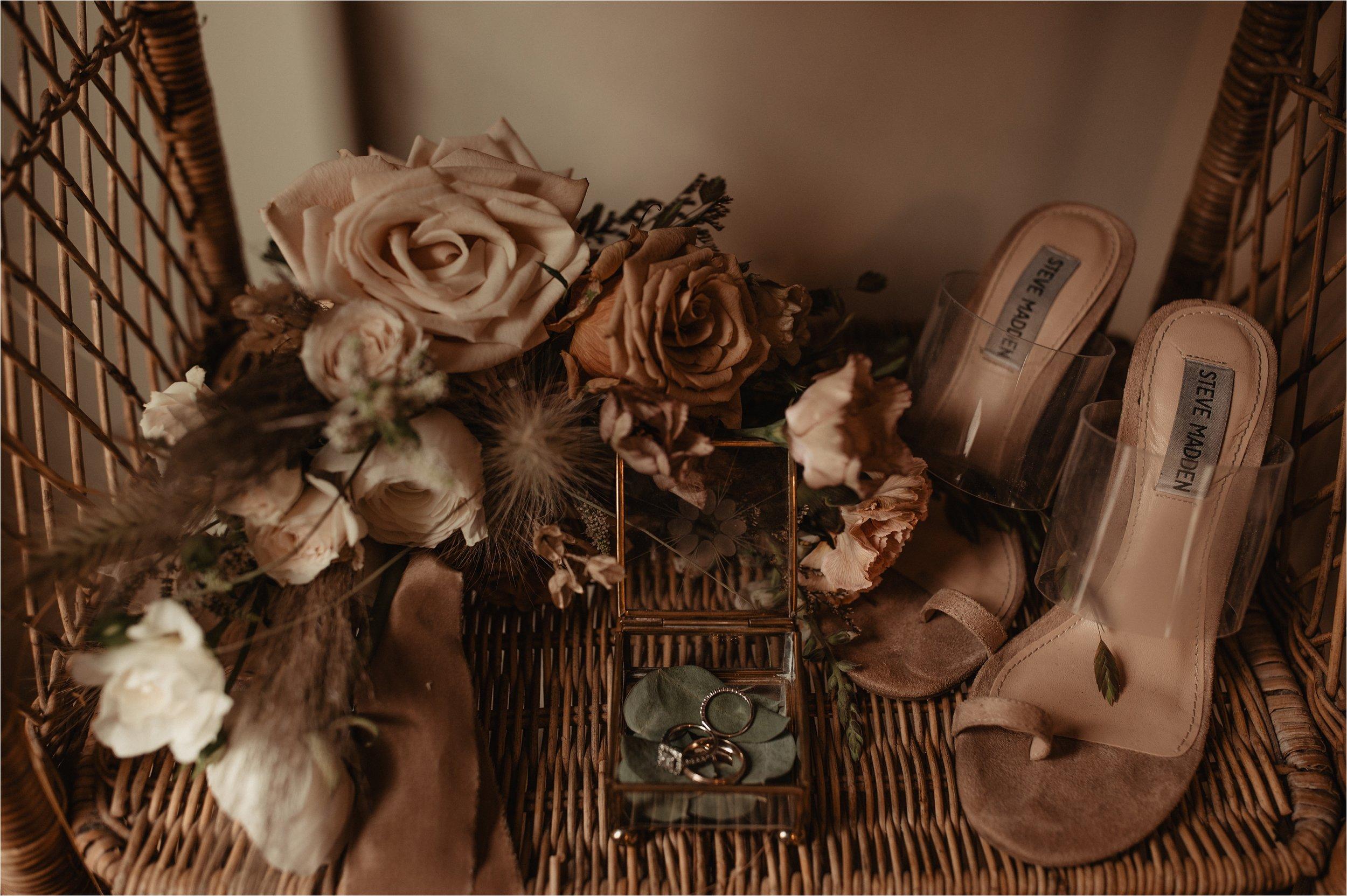 intimate-portland-modern-trendy-wedding_0002.jpg