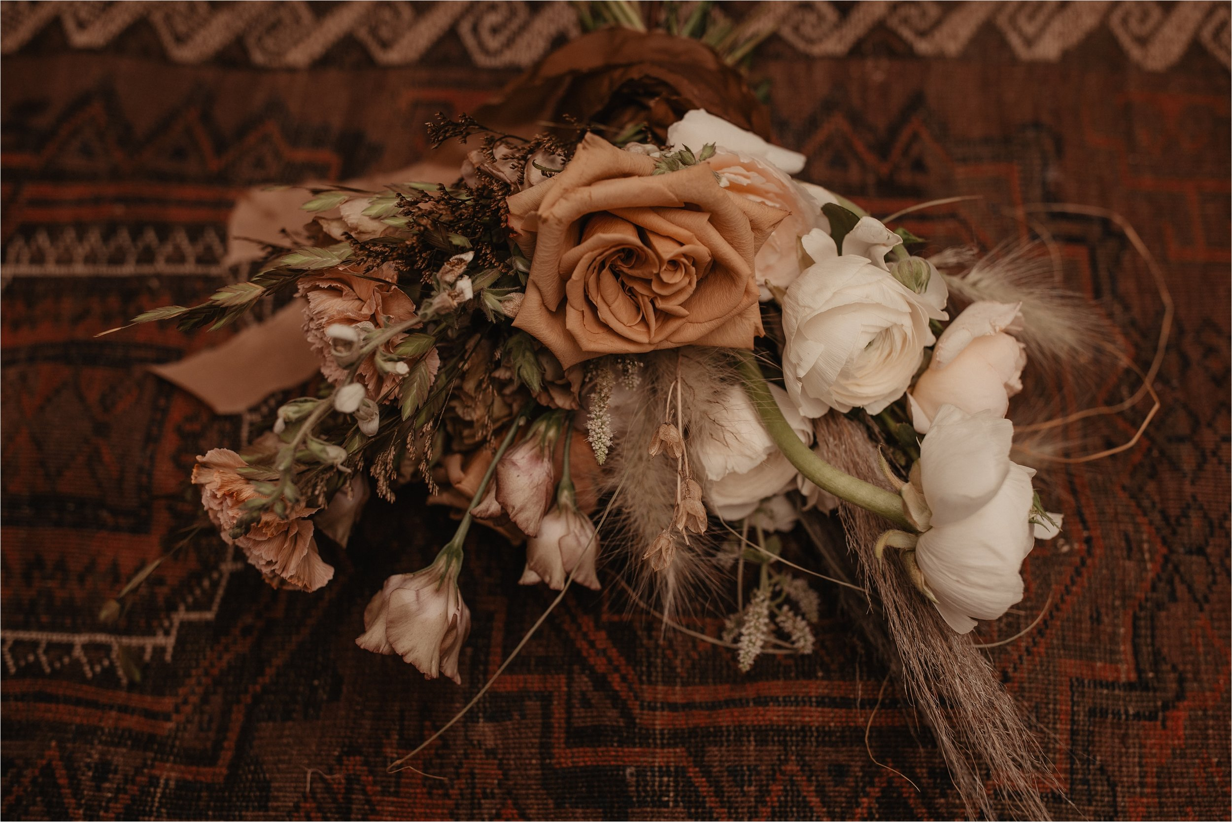 intimate-portland-modern-trendy-wedding_0004.jpg