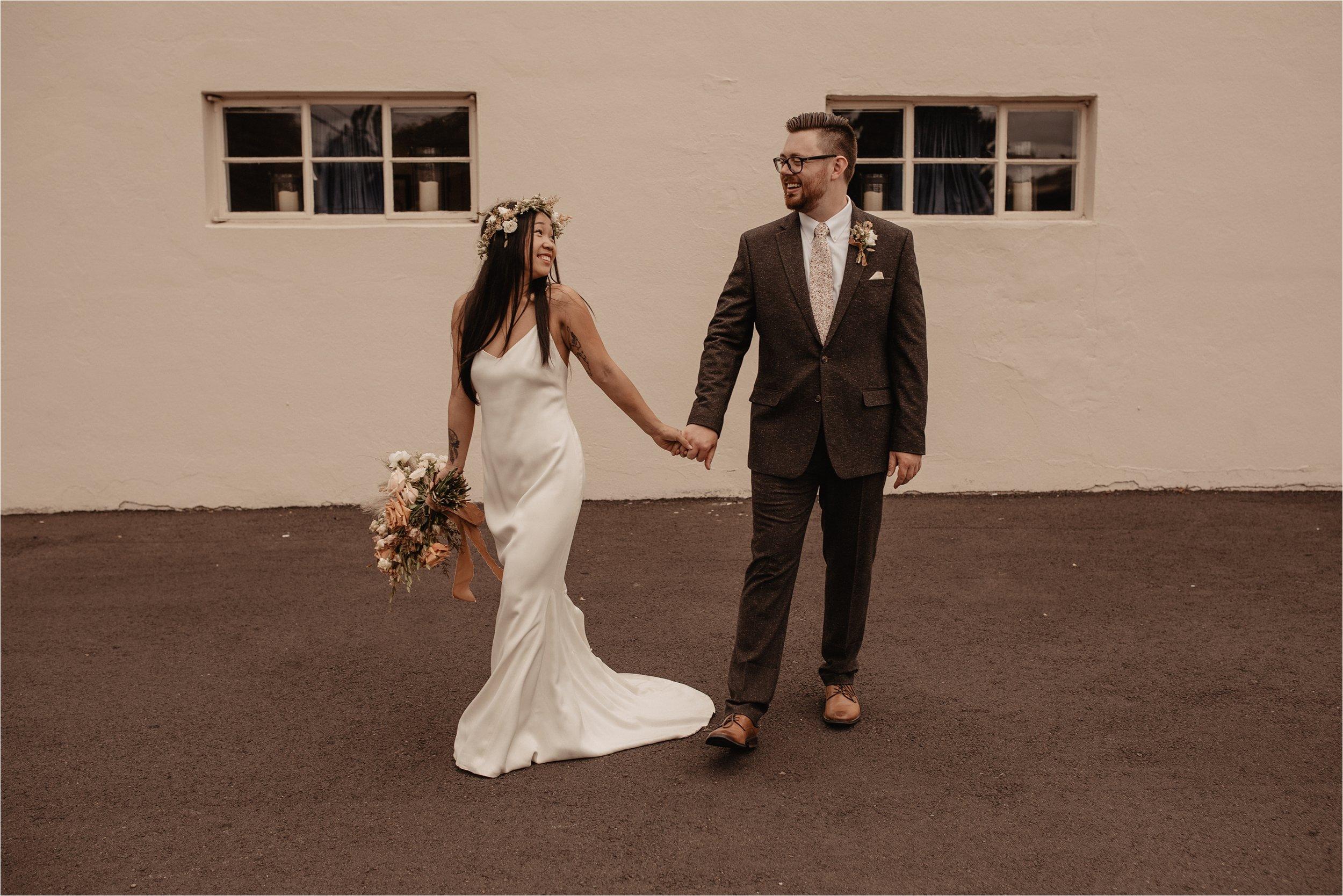 intimate-portland-modern-trendy-wedding_0028.jpg