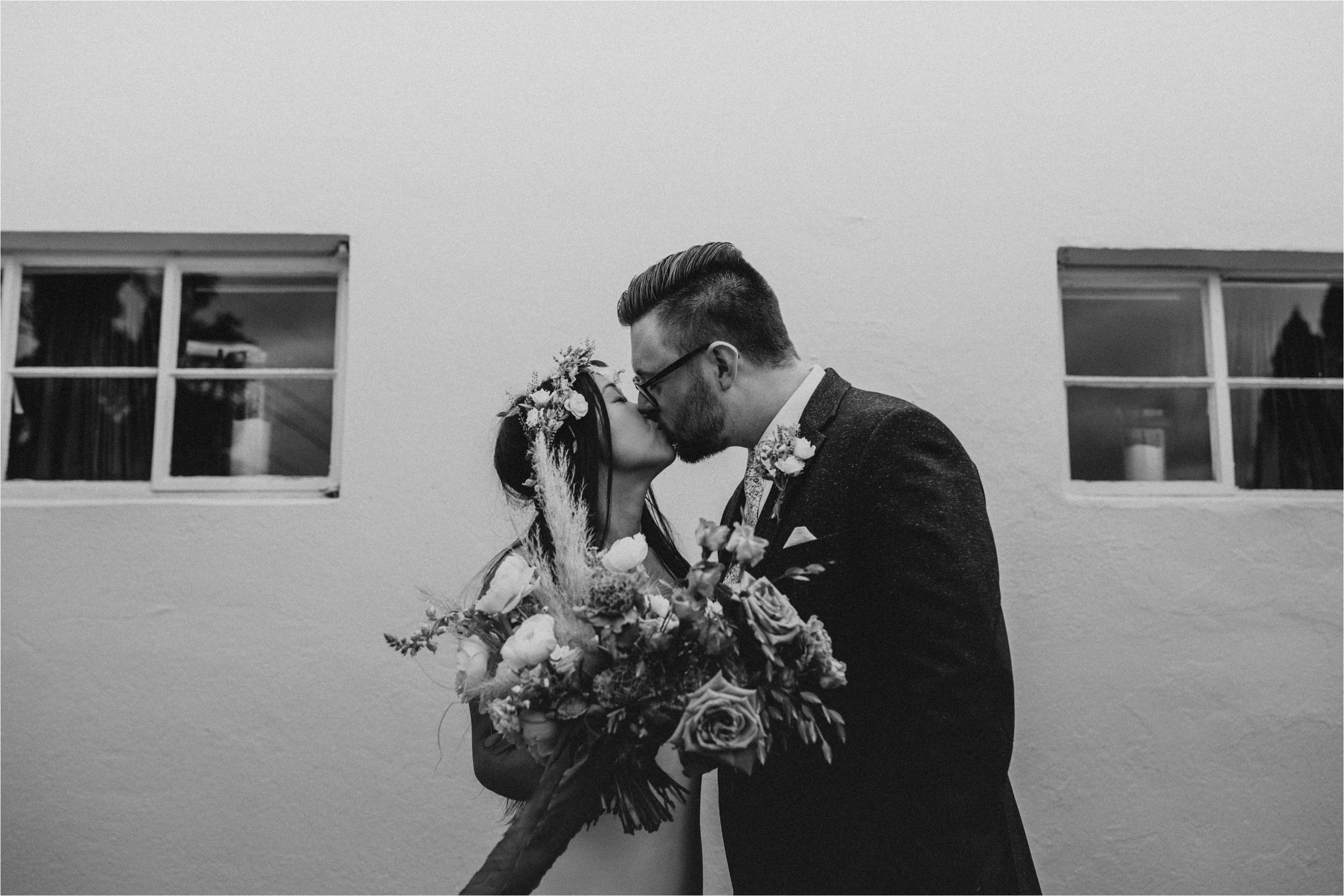 intimate-portland-modern-trendy-wedding_0032.jpg