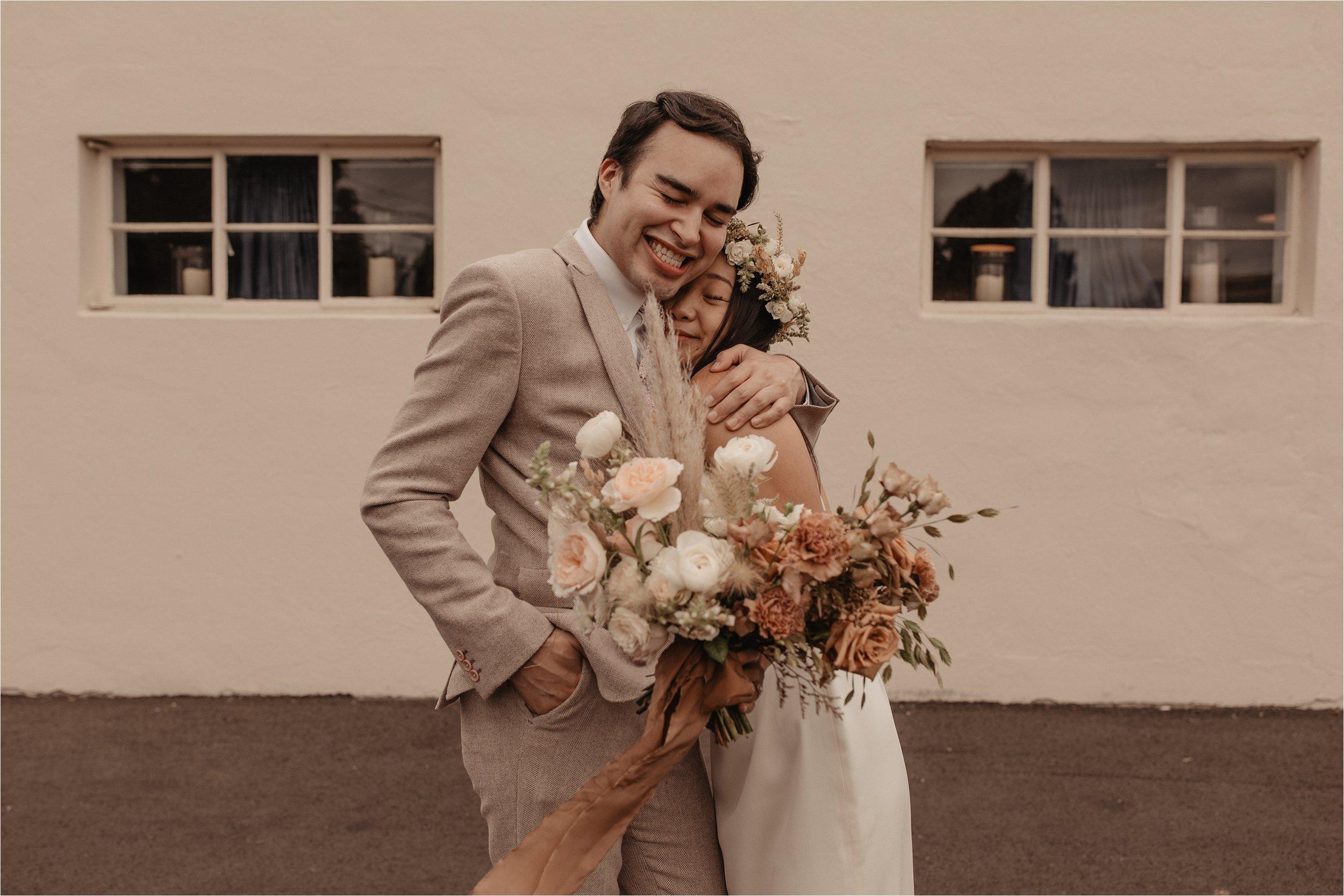 intimate-portland-modern-trendy-wedding_0046.jpg