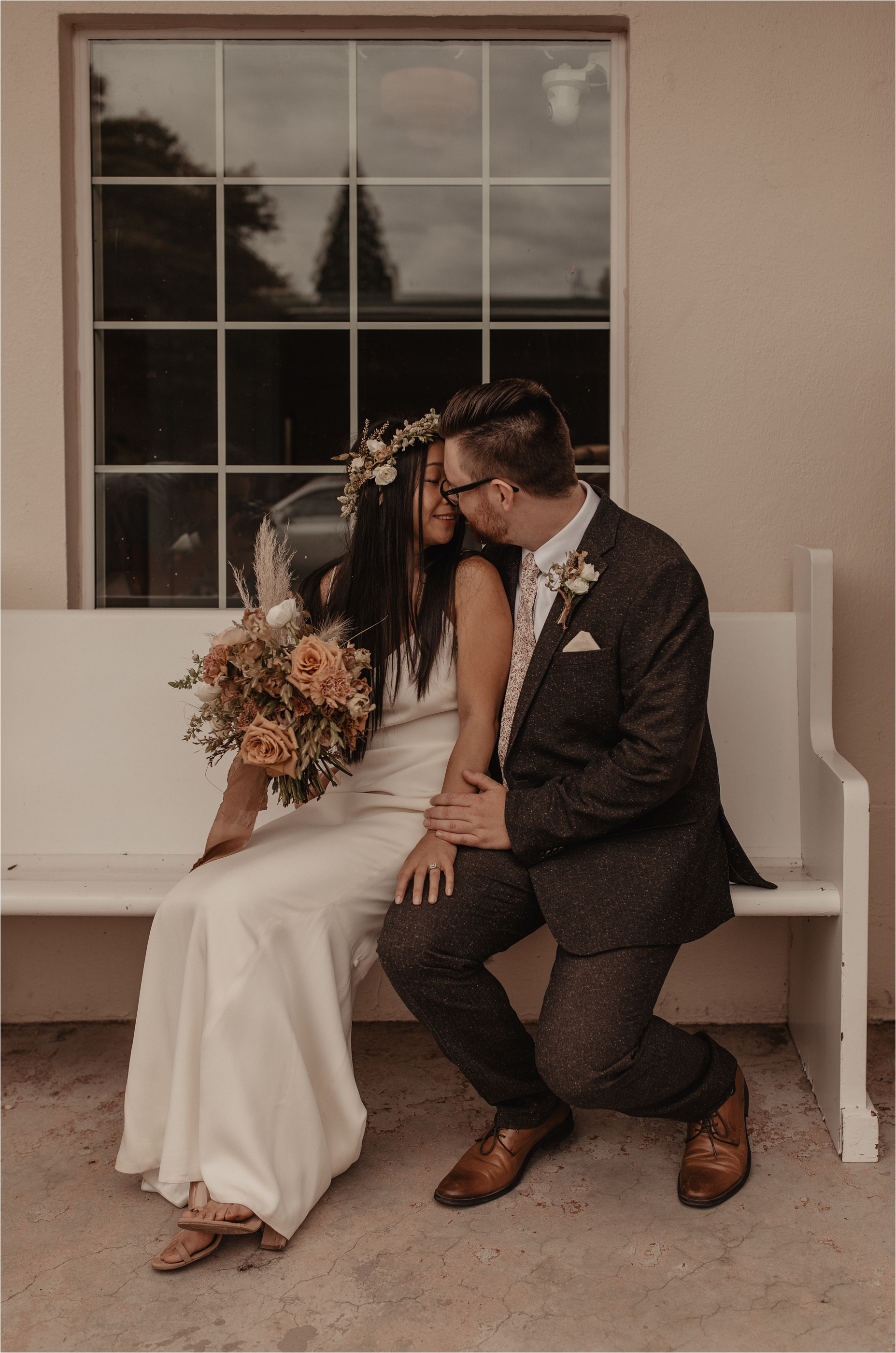 intimate-portland-modern-trendy-wedding_0059.jpg