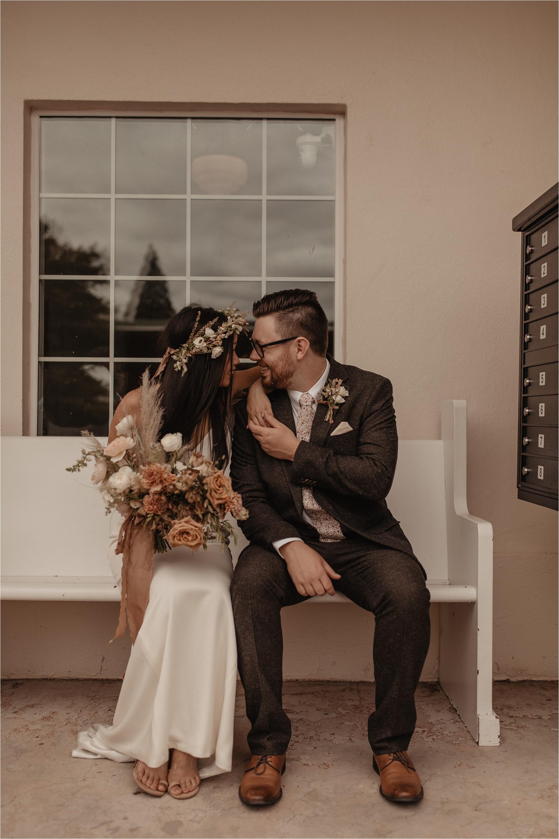 intimate-portland-modern-trendy-wedding_0061.jpg