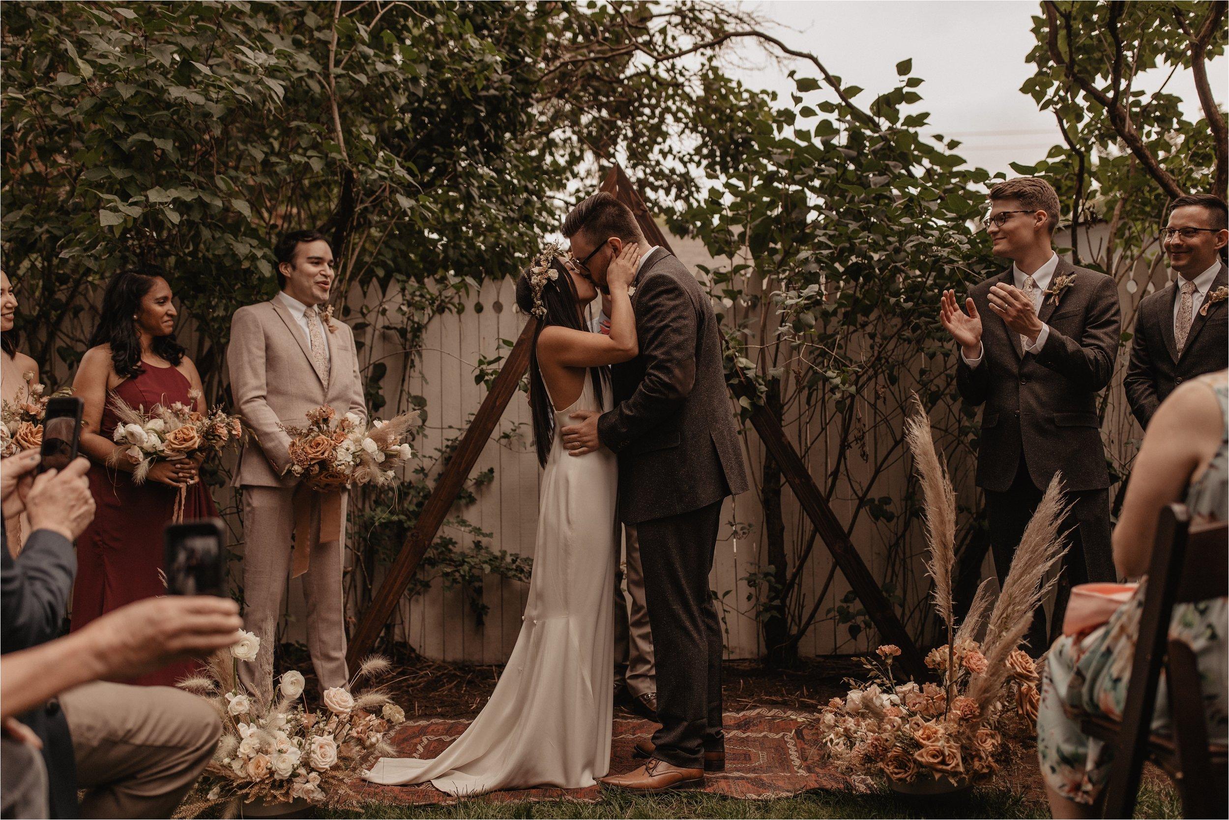 intimate-portland-modern-trendy-wedding_0081.jpg