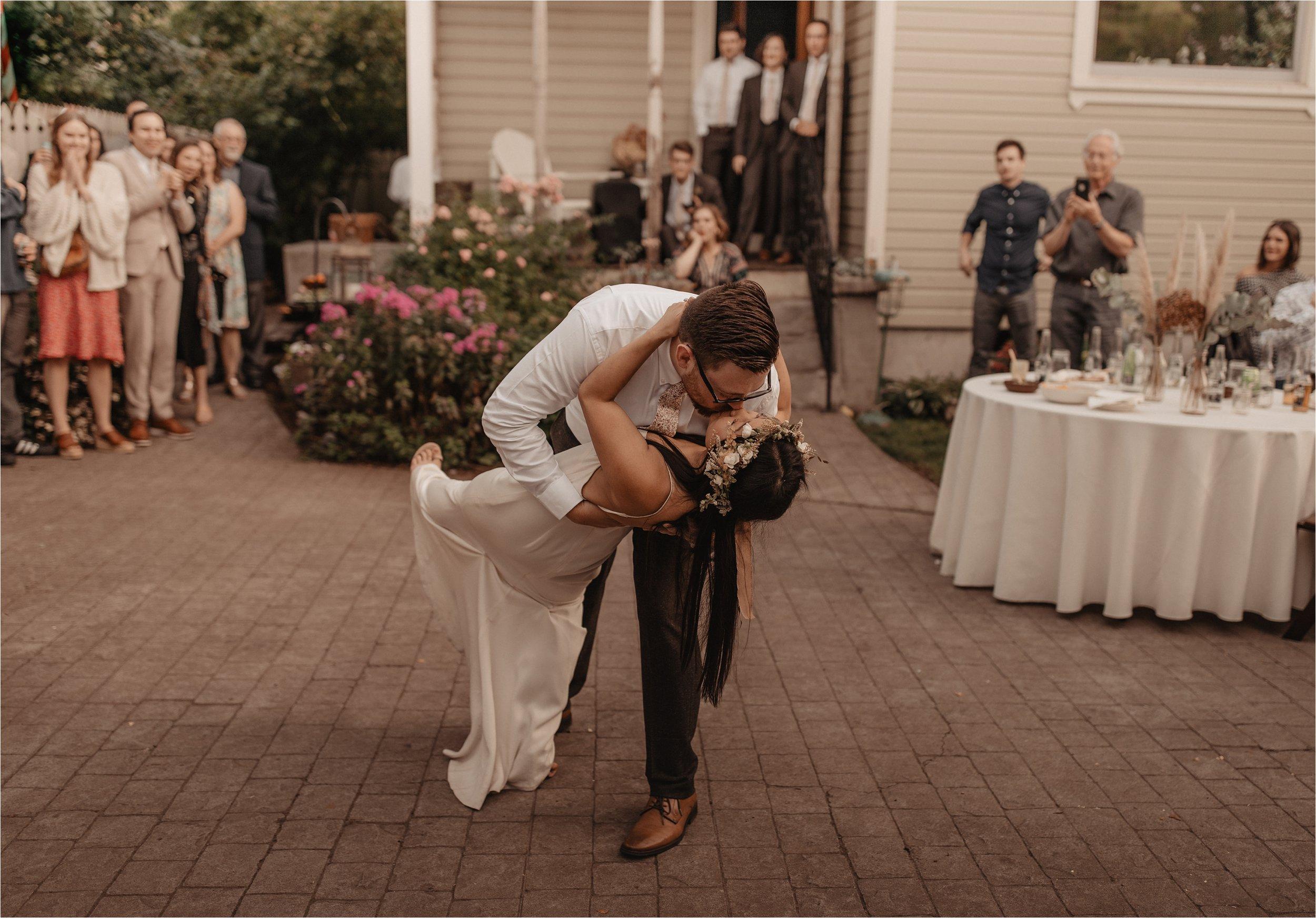 intimate-portland-modern-trendy-wedding_0101.jpg