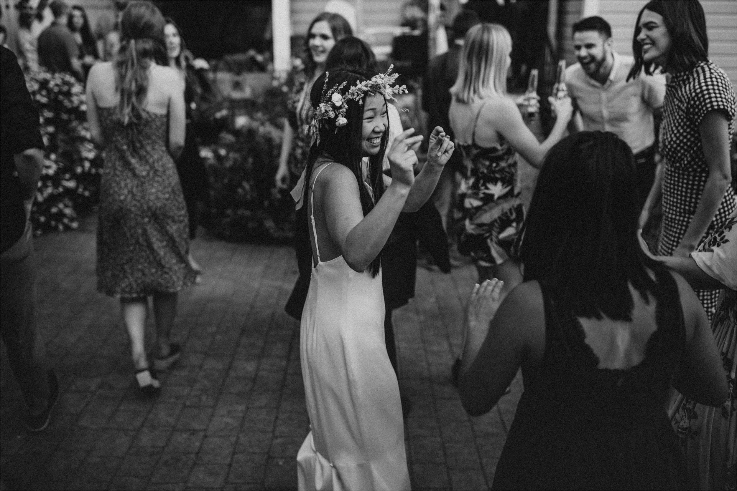 intimate-portland-modern-trendy-wedding_0105.jpg