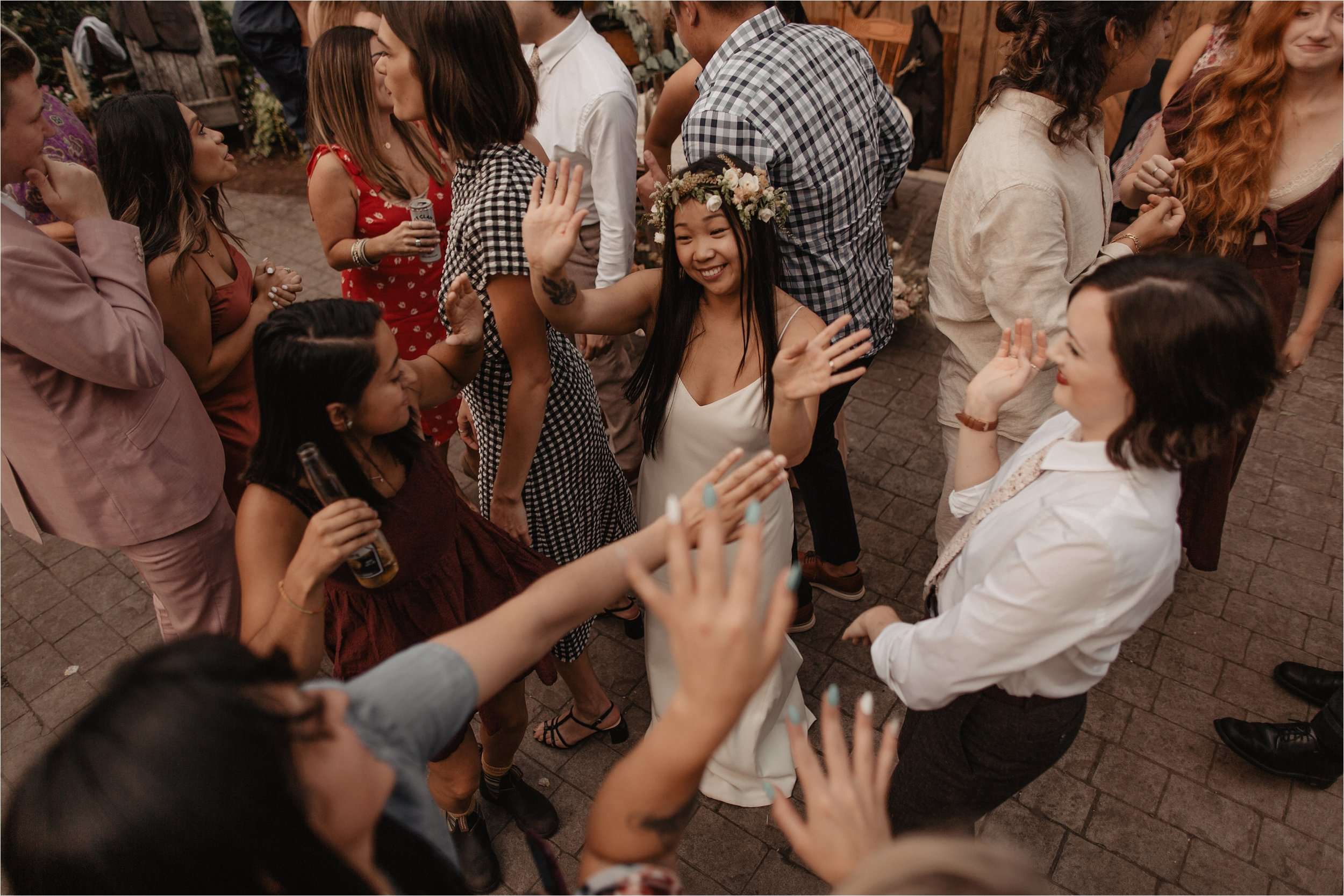 intimate-portland-modern-trendy-wedding_0109.jpg