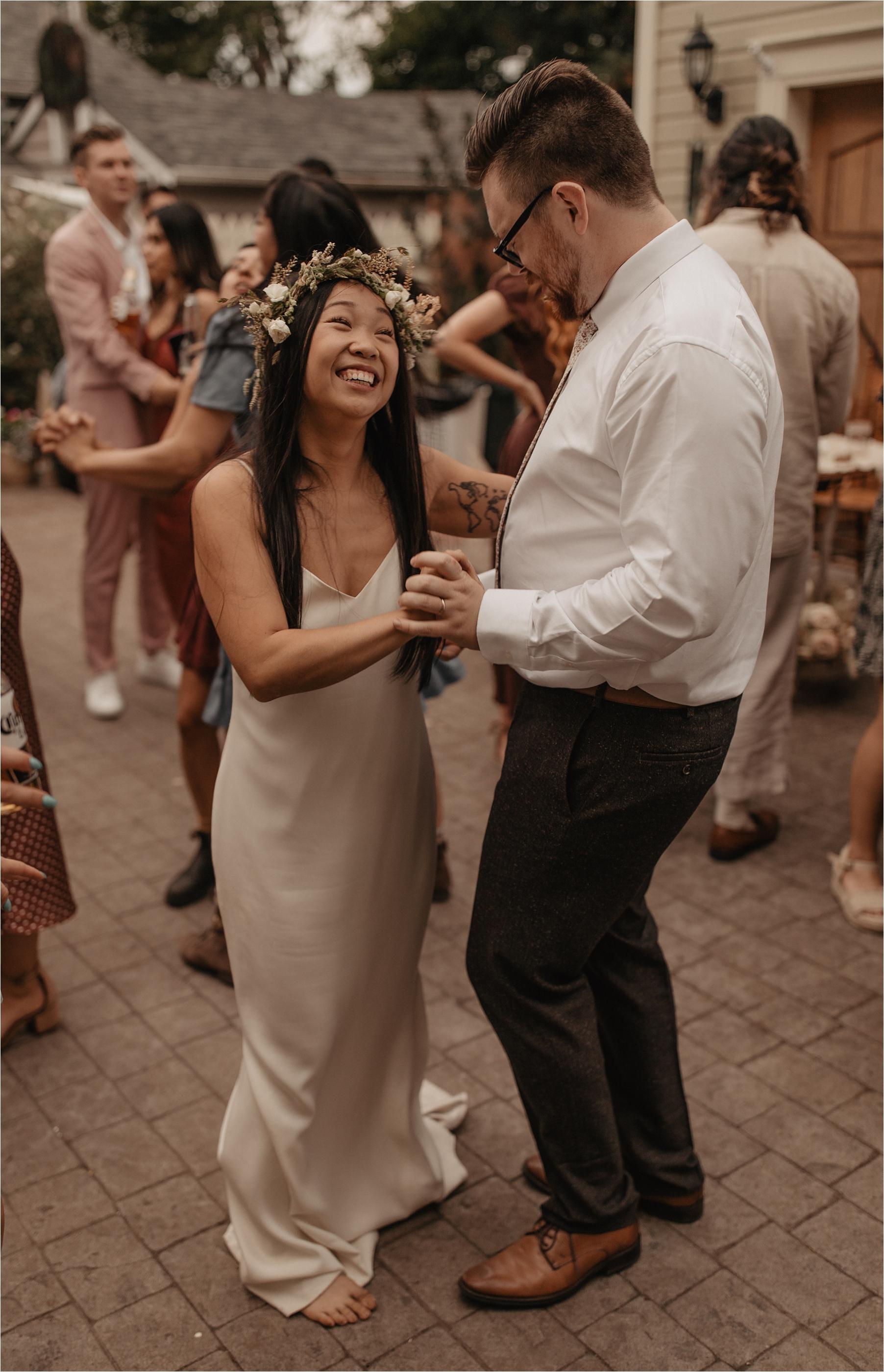 intimate-portland-modern-trendy-wedding_0121.jpg