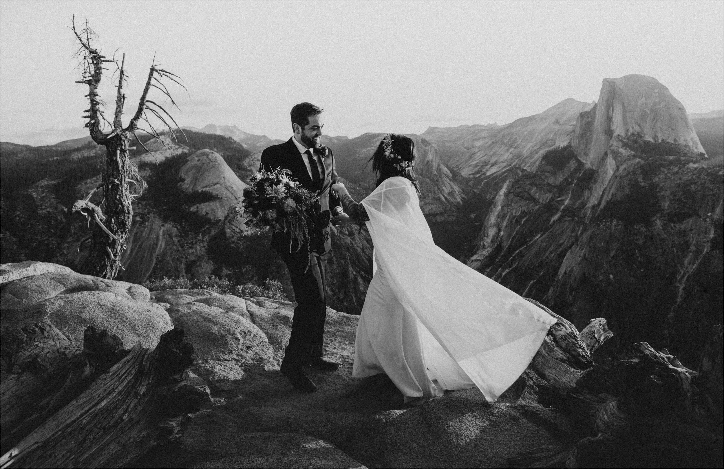 glacier-point-yosemite-elopement-ceremony_0025.jpg