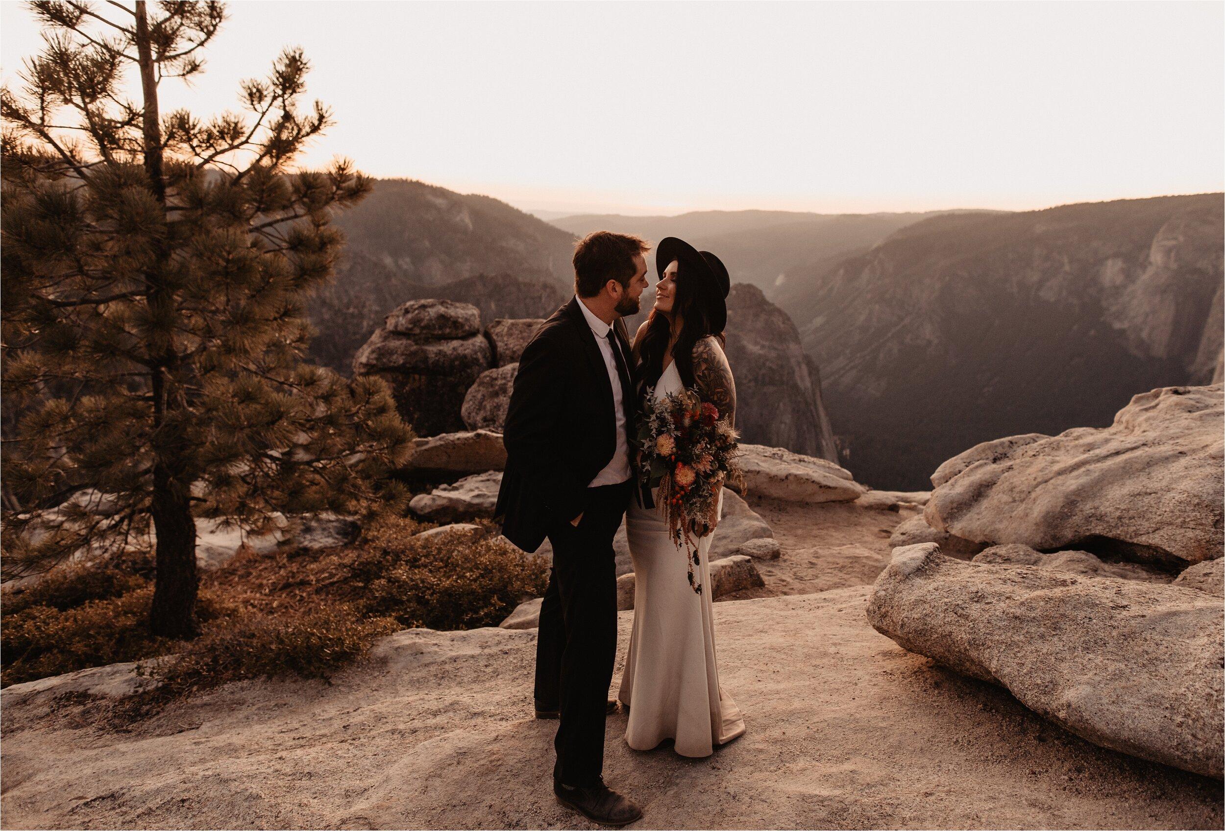 glacier-point-yosemite-elopement-ceremony_0089.jpg