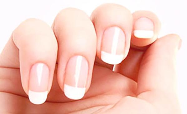 shellac-manicure-vs-acrylic.jpg