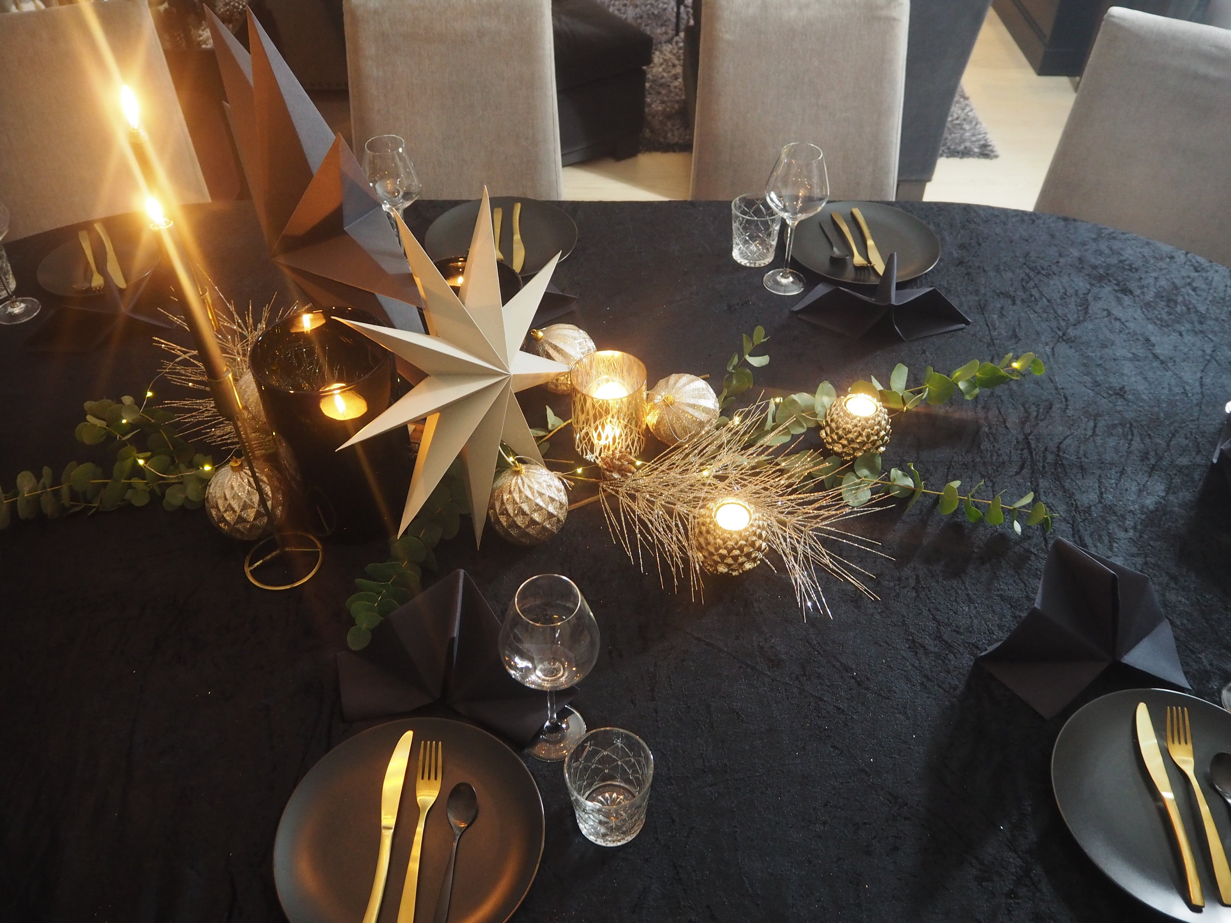 Tablesetting for newyears eve.