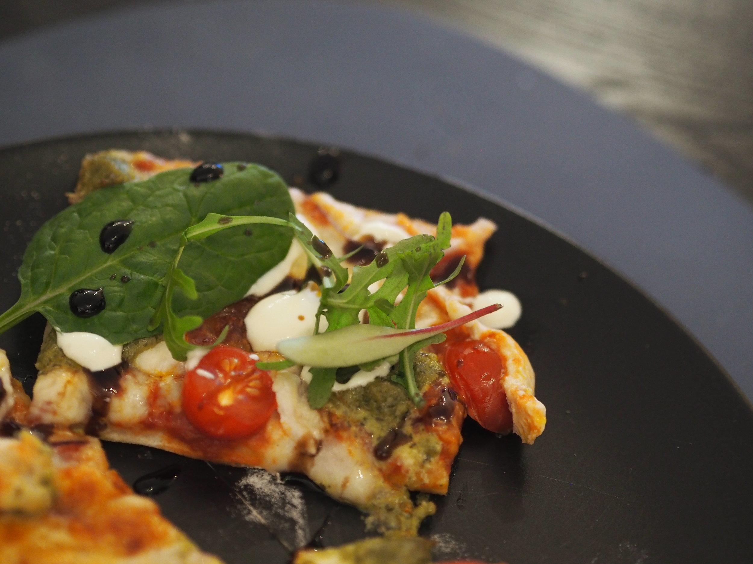 Oppskrift på god lettvindt pizza med sprø bunn og god topping