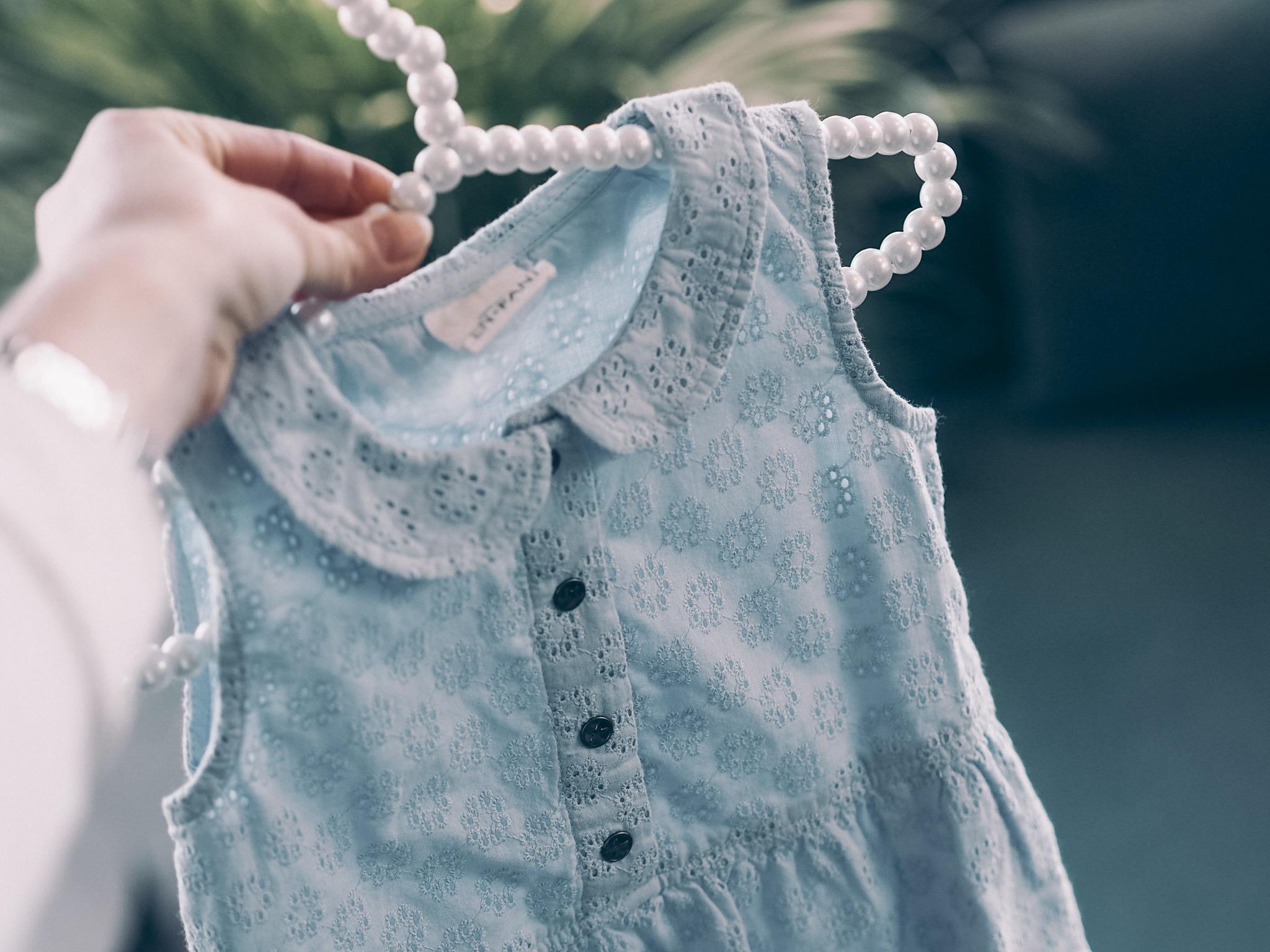 kjole fra Enfant, perlehenger til barn
