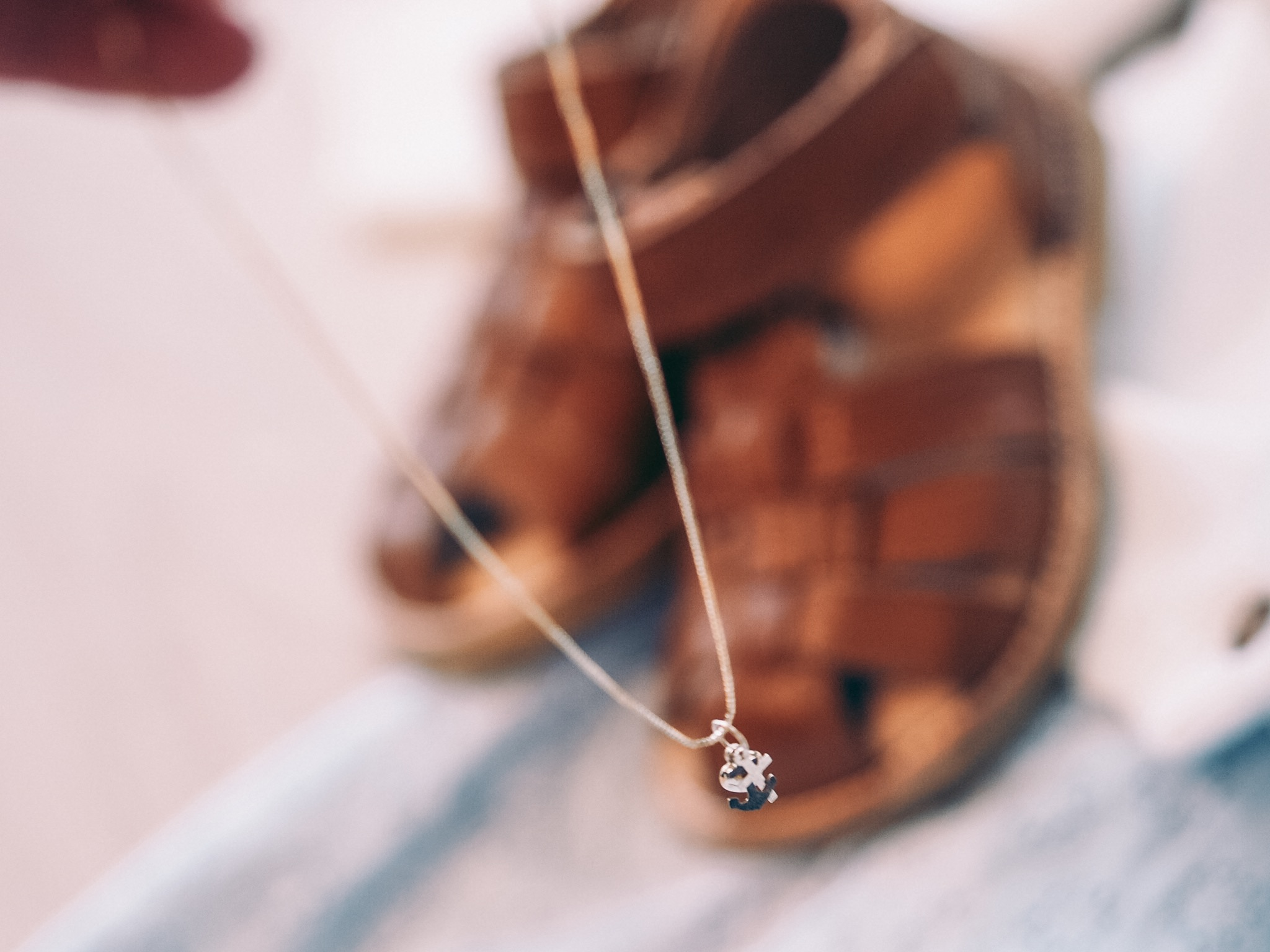 Tro håp og kjærlighet Smykke i gult gull