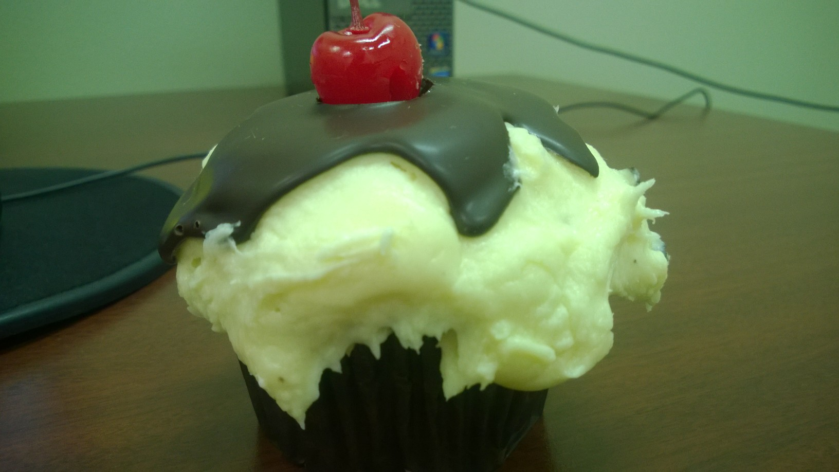Ooh La La's August Cupcake of the Month: Banana Split.