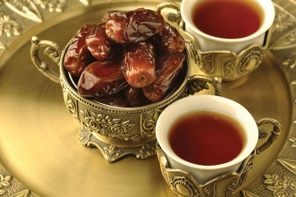 Dates are a traditional food served at  iftar.