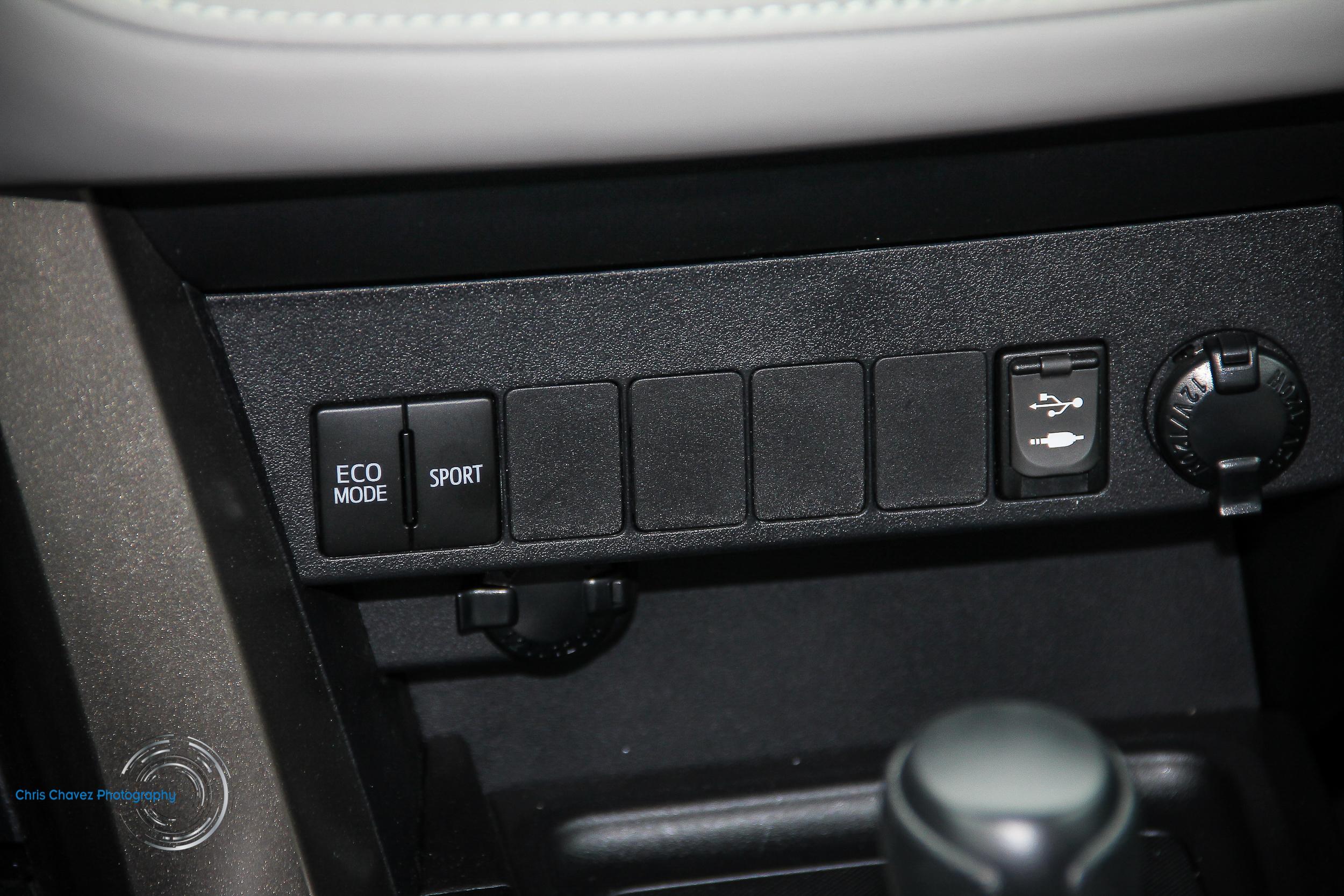 15.Toyota.Rav4.WM-15.jpg