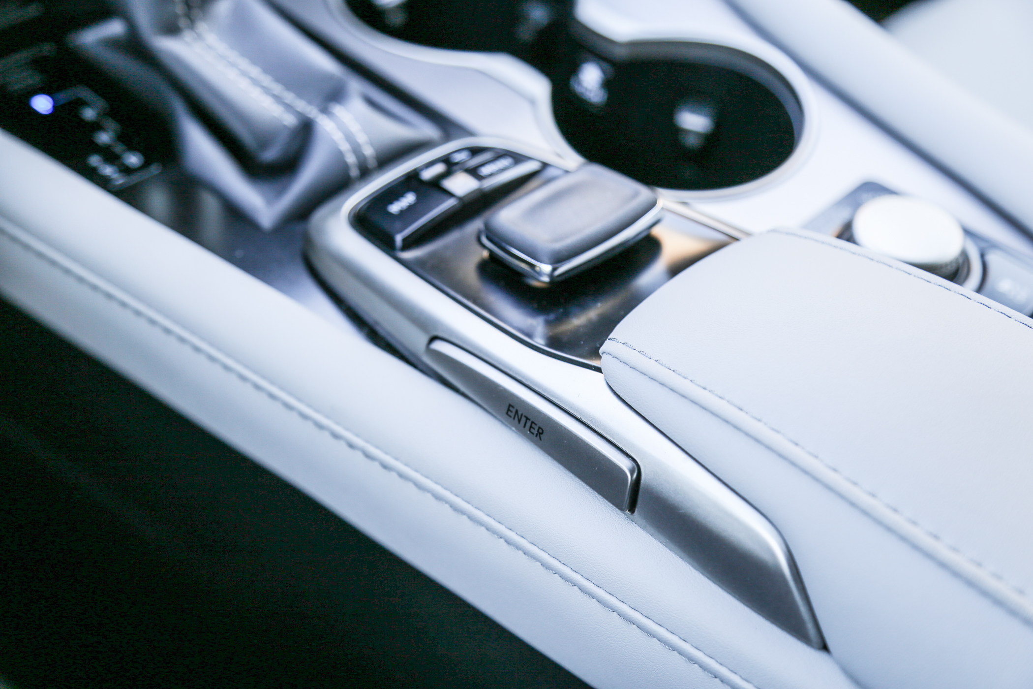 16.lexus.rx450h.fsport-39.jpg