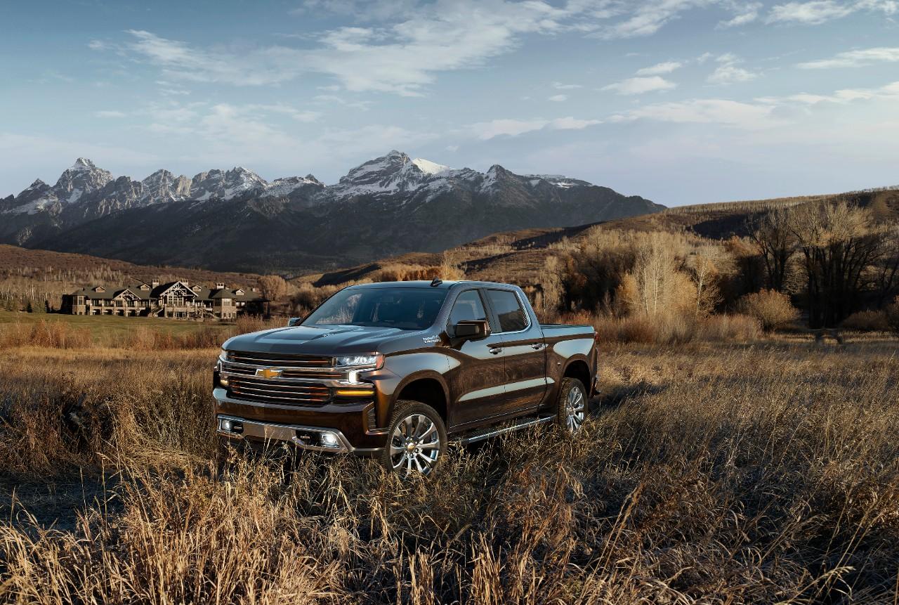 2019-Chevrolet-Silverado-004.jpg