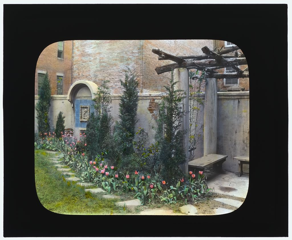 Photograph by Frances Benjamin Johnston of Laura Stafford Stewart house, 205 West 13th Street, New York City, 1922. Library of Congress.   ppmsca 16684  http://hdl.loc.gov/loc.pnp/ppmsca.16684