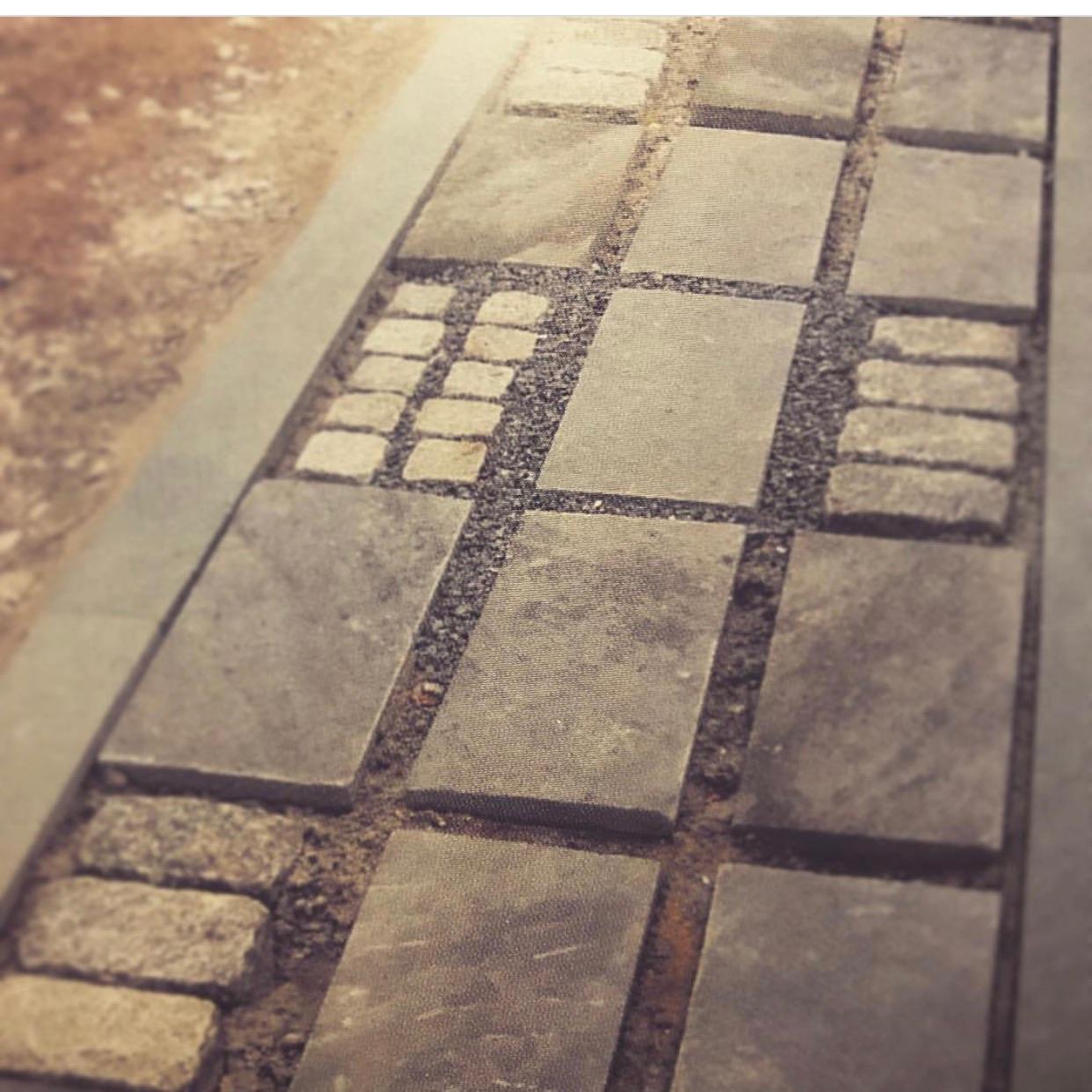 Granite sett,bluestone paver, and bluestone gravel path, detail. ©2018 twelve gardens ltd.