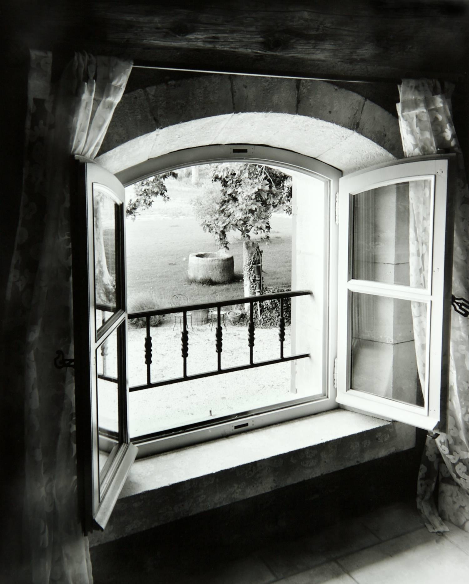Window at Mas de Mouret (Maillane, France)