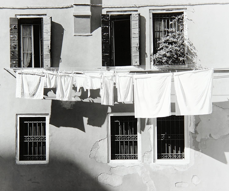 Clothesline in Portico Pisani (Venice, Italy)