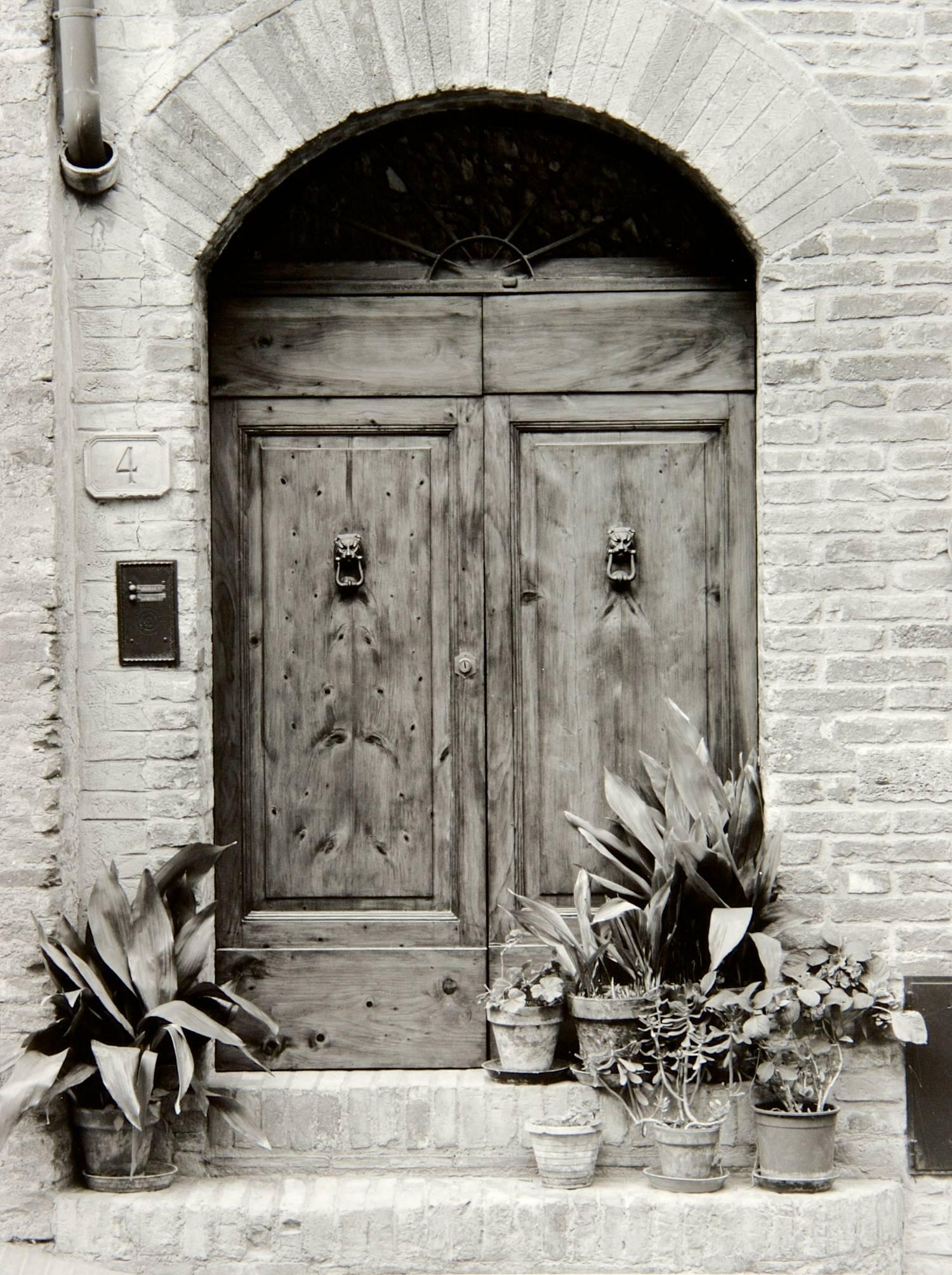 Doors at Via San Stefano (San Gimignano, Italy)