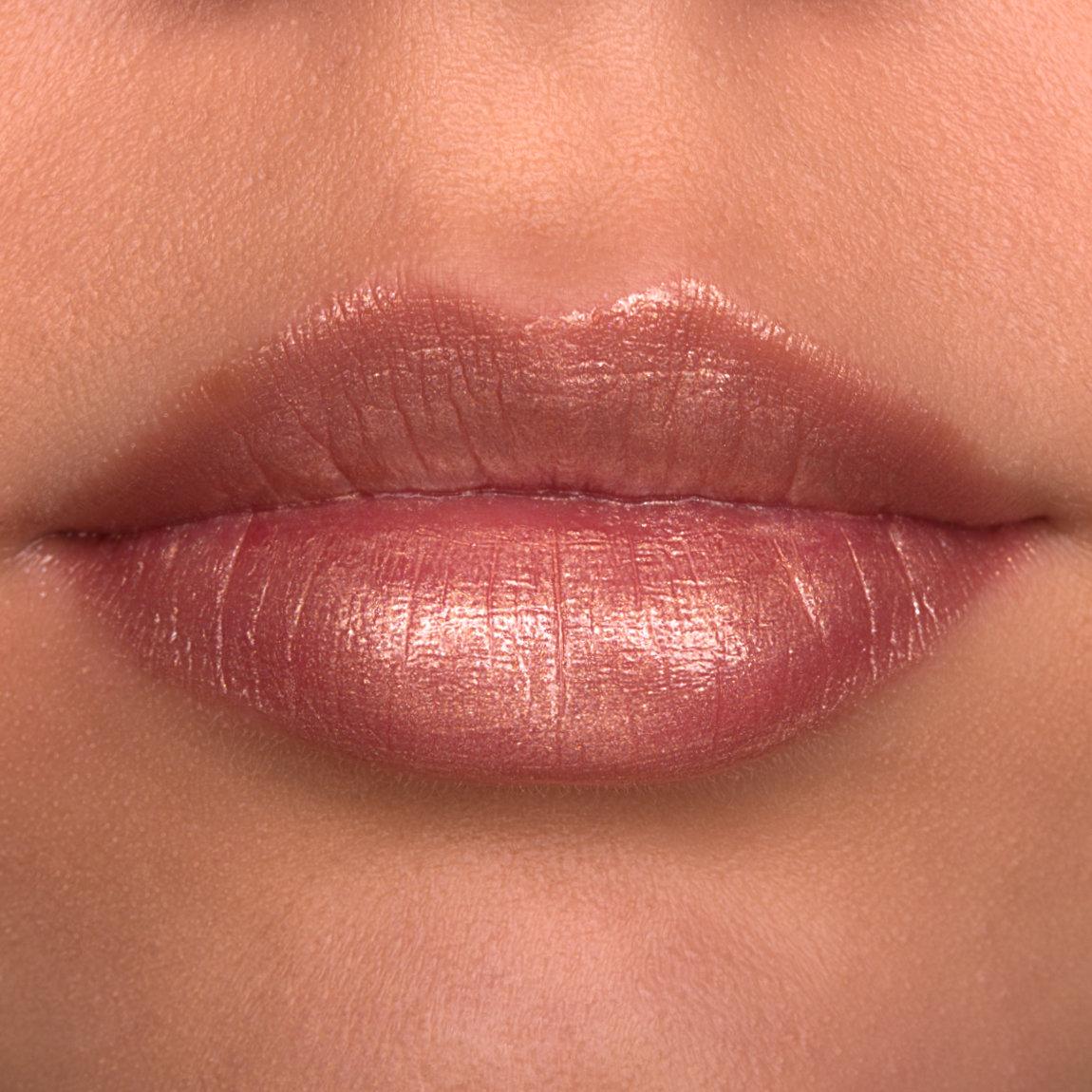 as_lipstick_lips_01.jpg