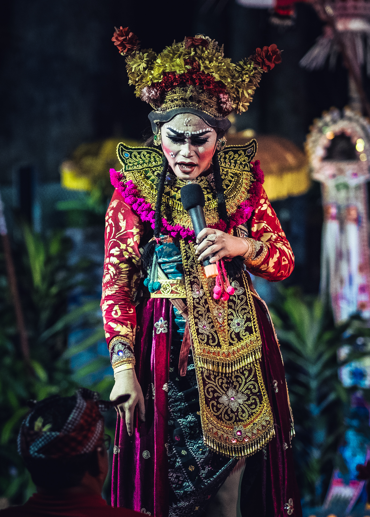 Calon Arang - A widow with very powerful black magic who often damages farmers' crops and causes diseases.