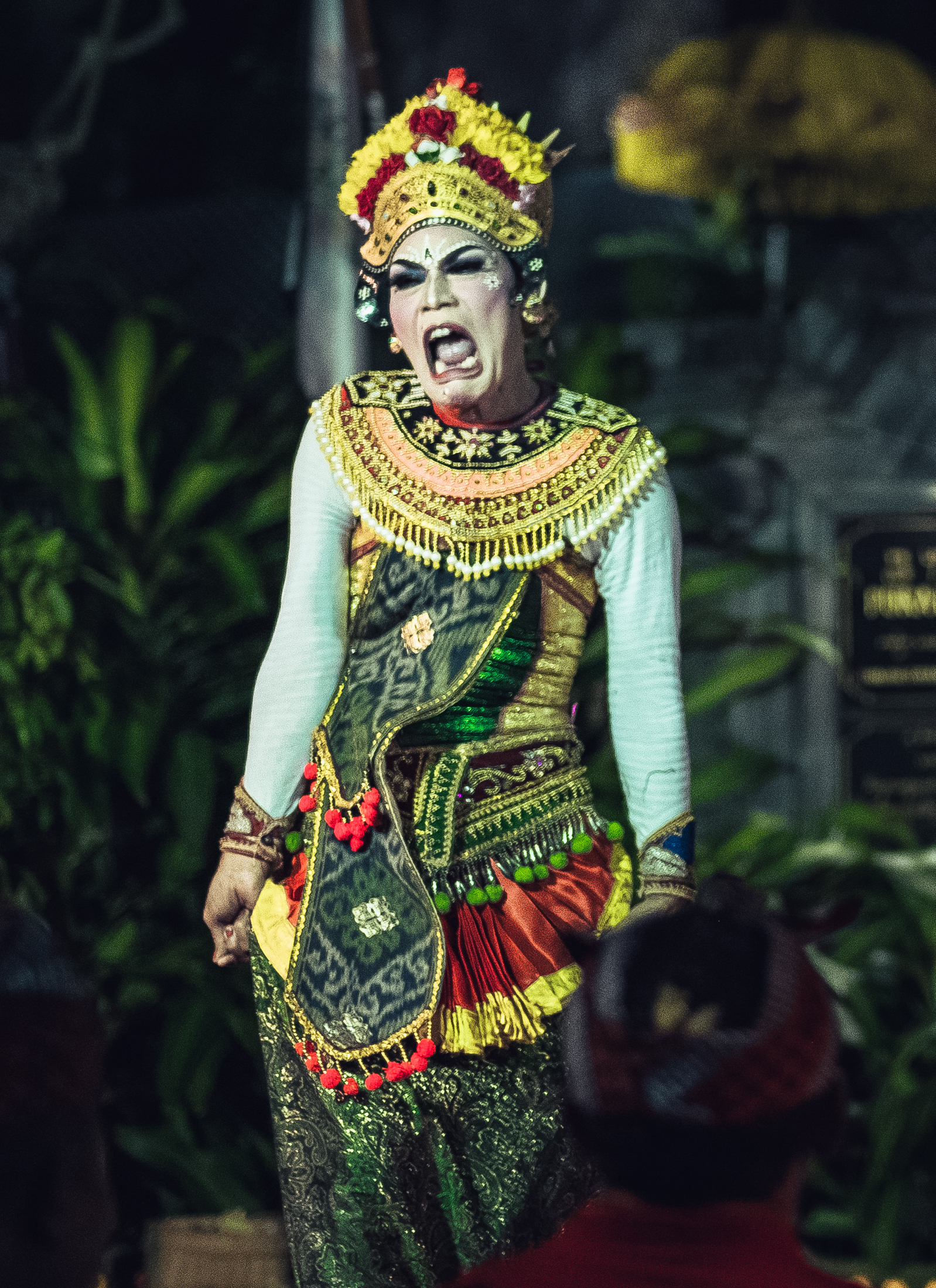 Ratna - Ratna Manggali is Calon Arang's daughter.Although beautiful, she is unable to get a husband because people were afraid of her mother.