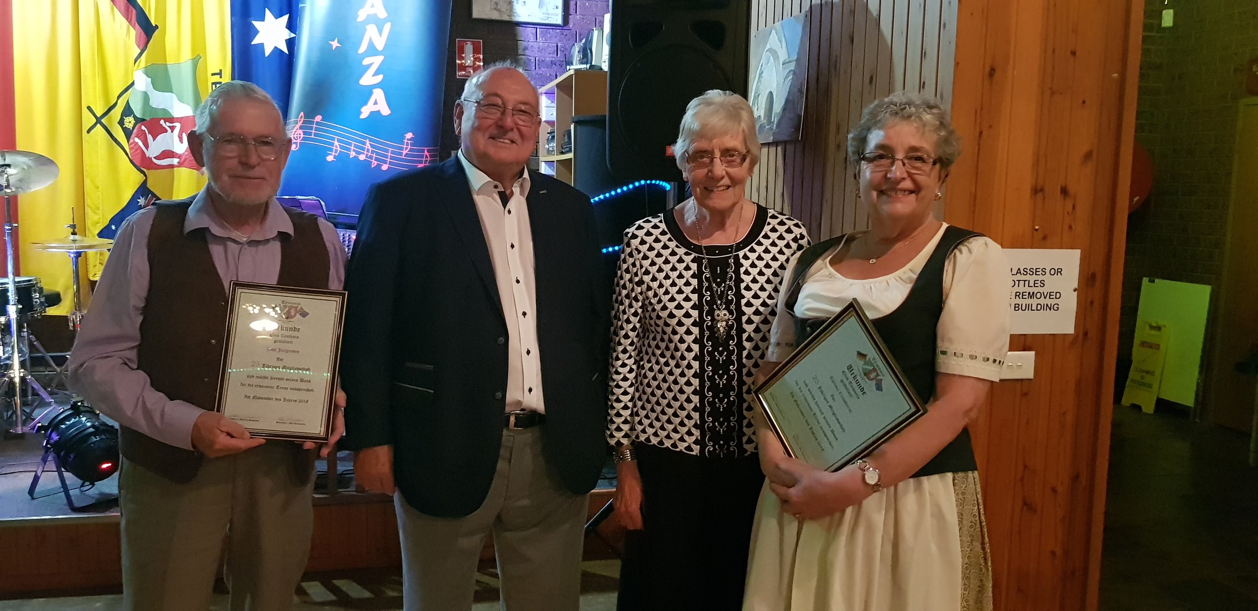 Thelma Crowhurst and Jes Jorgensen join the 25 Year membership Club presented on members night 24th November 2018