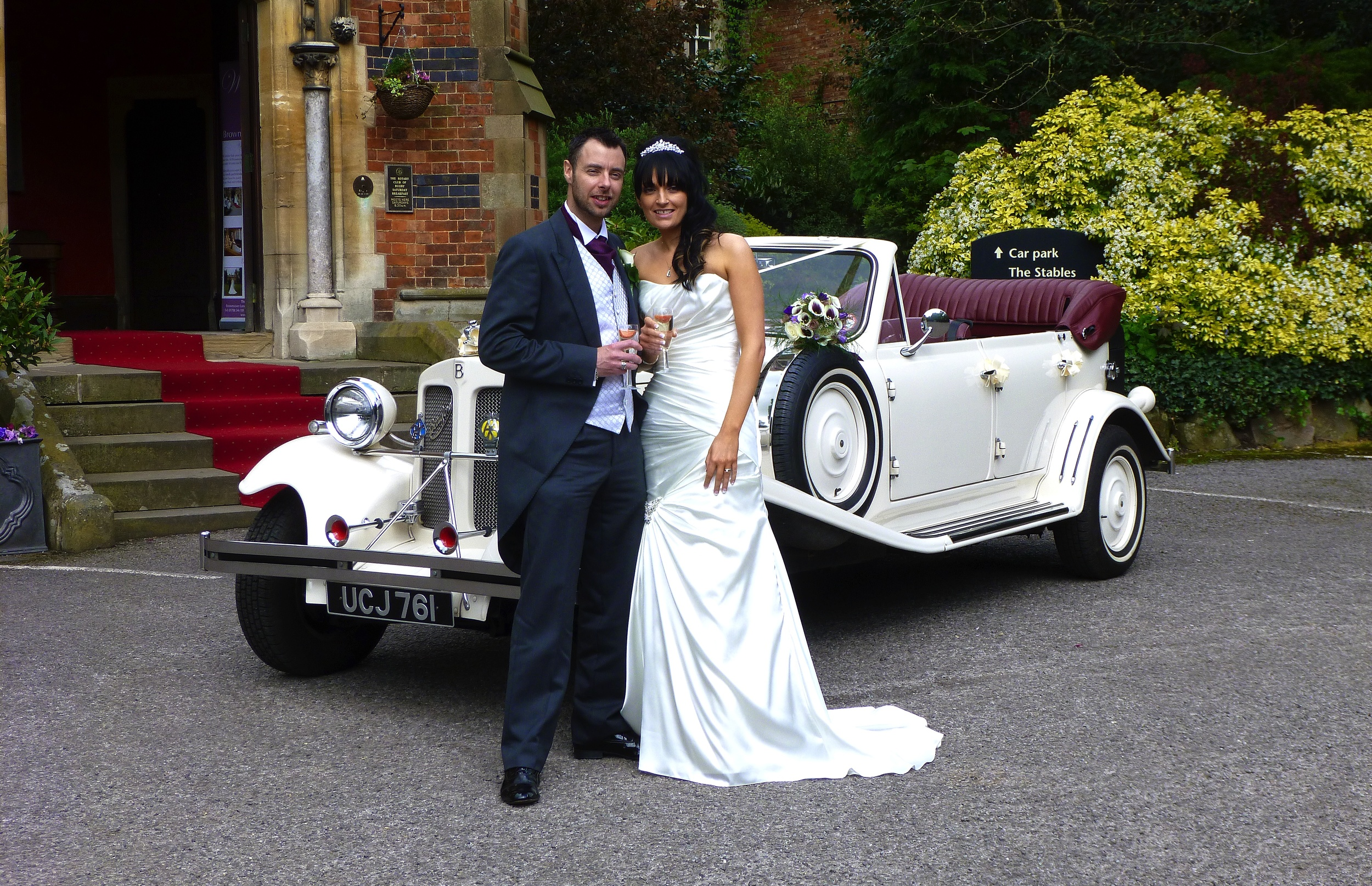 A welcome toast for the couple on arrival at Brownsover Hall. We love this venue, such a lovely building and so peaceful yet only a short distance from Rugby Town.