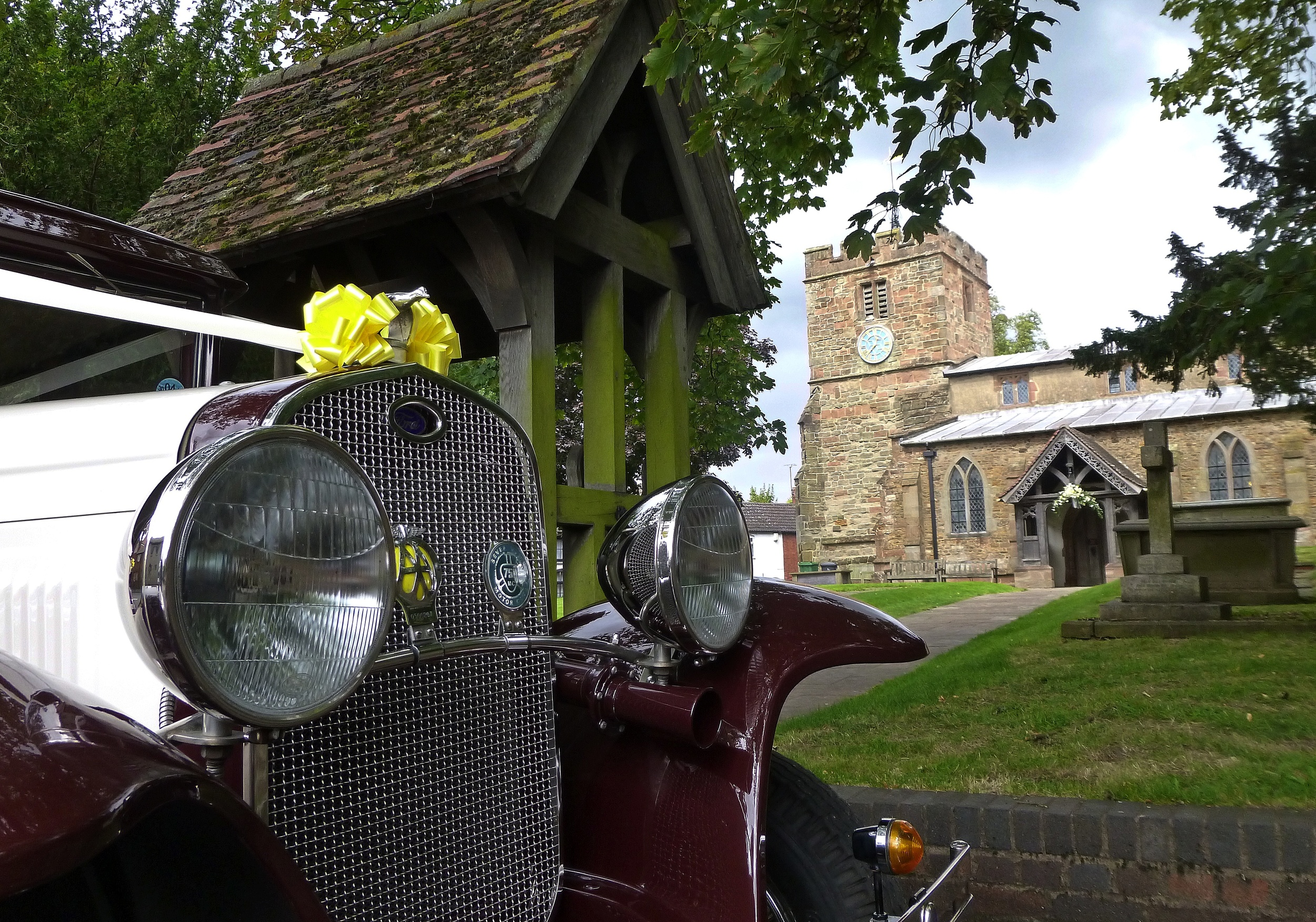 St Mary's Church, Clifton upon Dunsmore, Rugby. The Badsworth patiently waiting for Joanna And Gareth to emerge from Church as Husband and Wife.