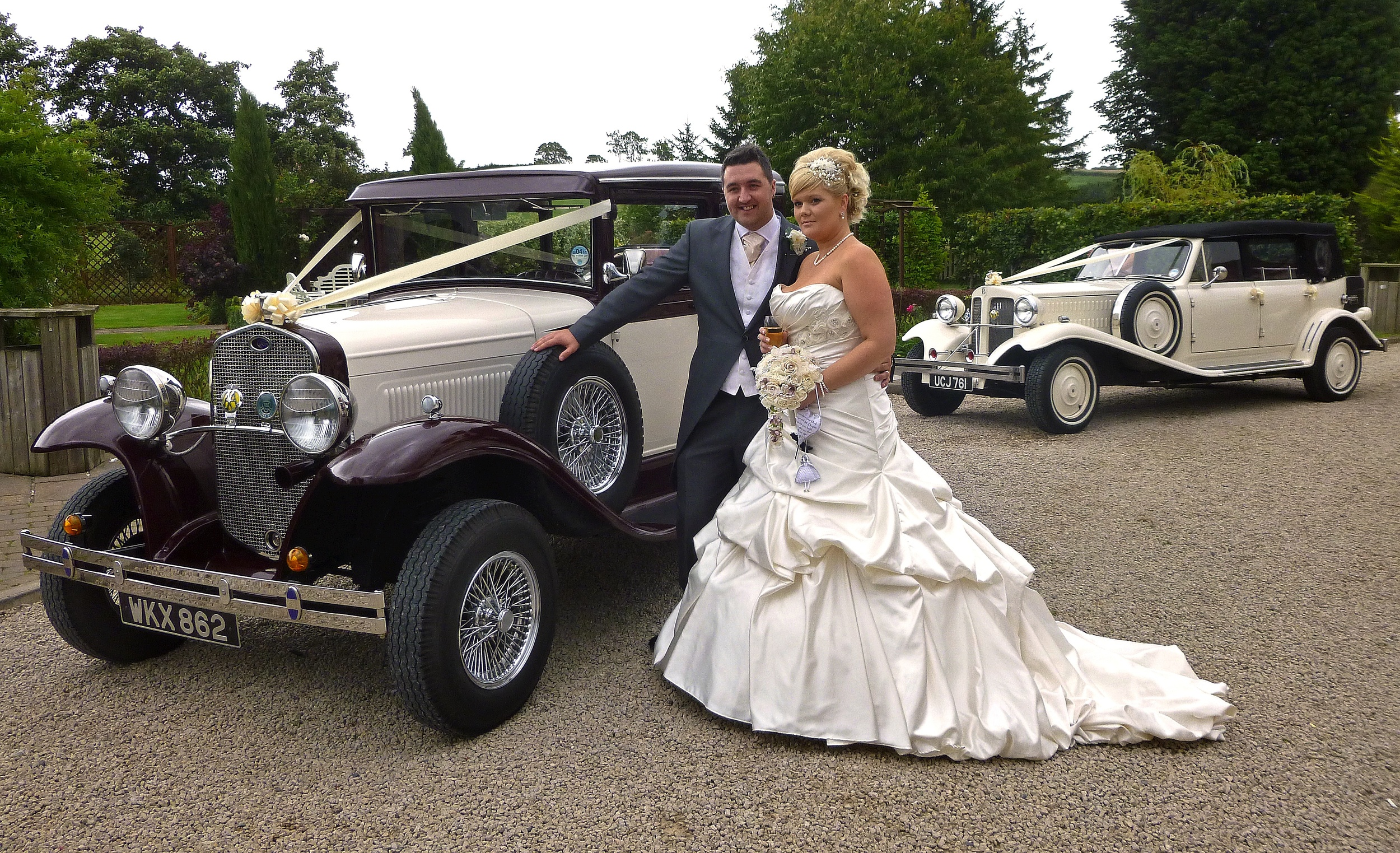 Kirsty and Tom about to set off on a short drive together following their marriage at Shearsby Bath, Leicestershire.