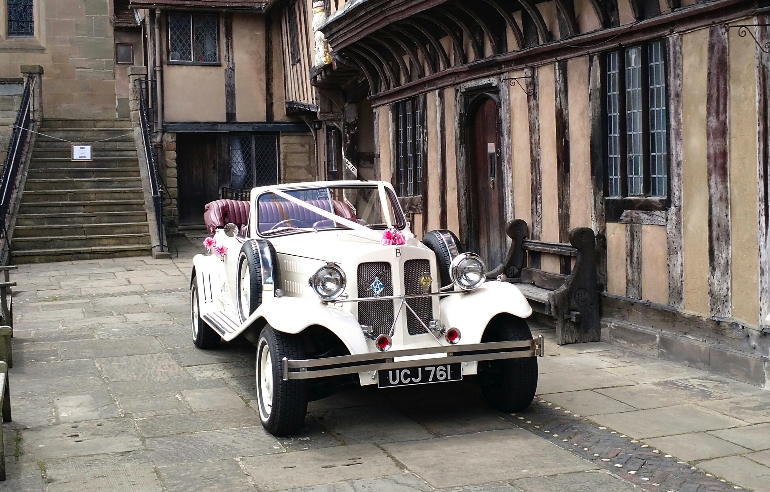 What a beautiful location for a Wedding! TheBeauford looked at home whilst waiting for the Bride and Groom to enjoy an open top drive in the heart of Warwick.