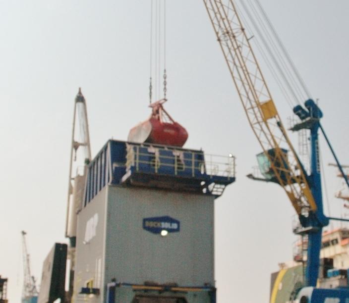 Dust control Eco-hopper environmental ship unloading hopper mobile