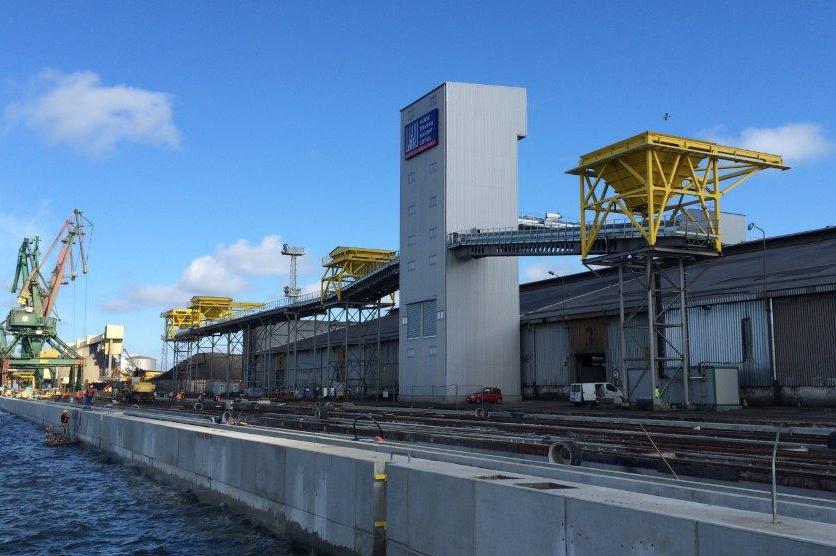 Environmental dust control ship unloading static hopper DOCKSOLID Eco-hopper
