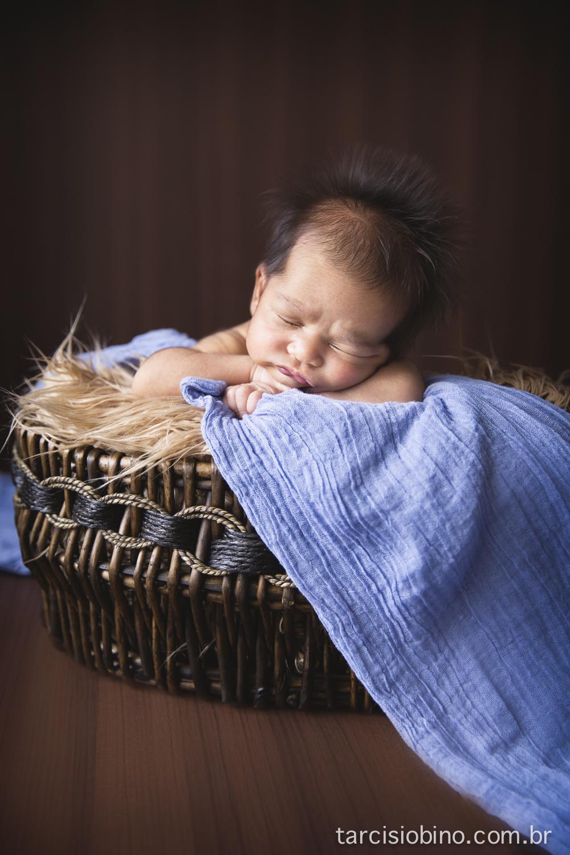 140830-Newborn-Pedro-0078-final.jpg