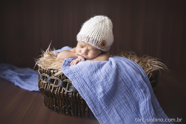 140830-Newborn-Pedro-0081-final.jpg