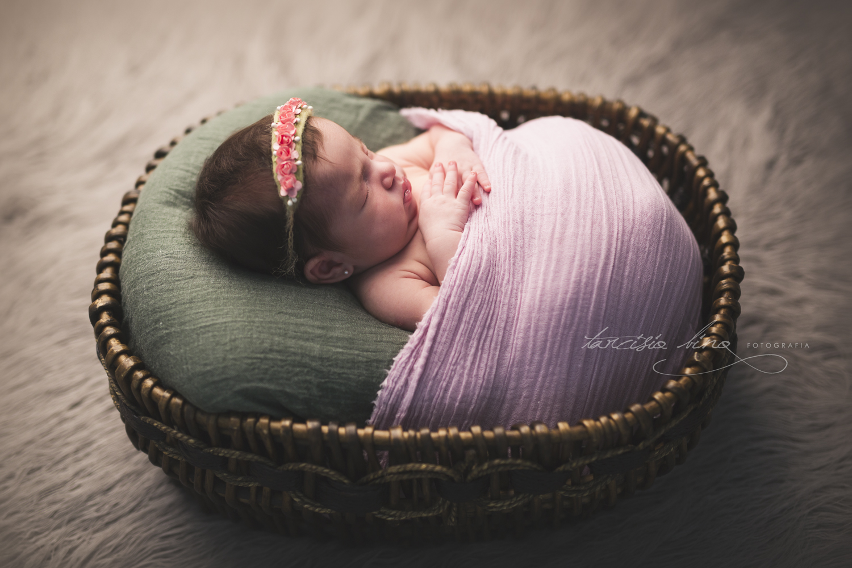 150628-Newborn-Julia-0097-final-final.jpg