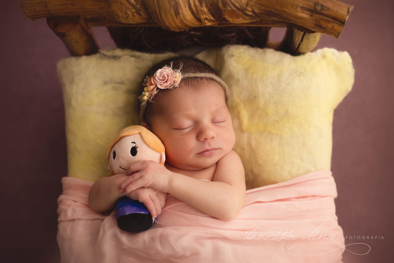 151115-Newborn-Julia-0087-final-final.jpg