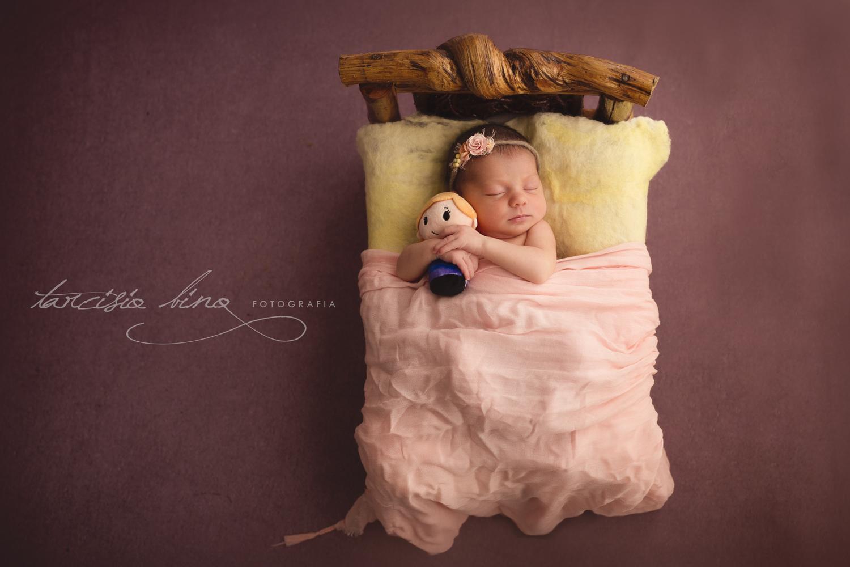 151115-Newborn-Julia-0096-final-final.jpg