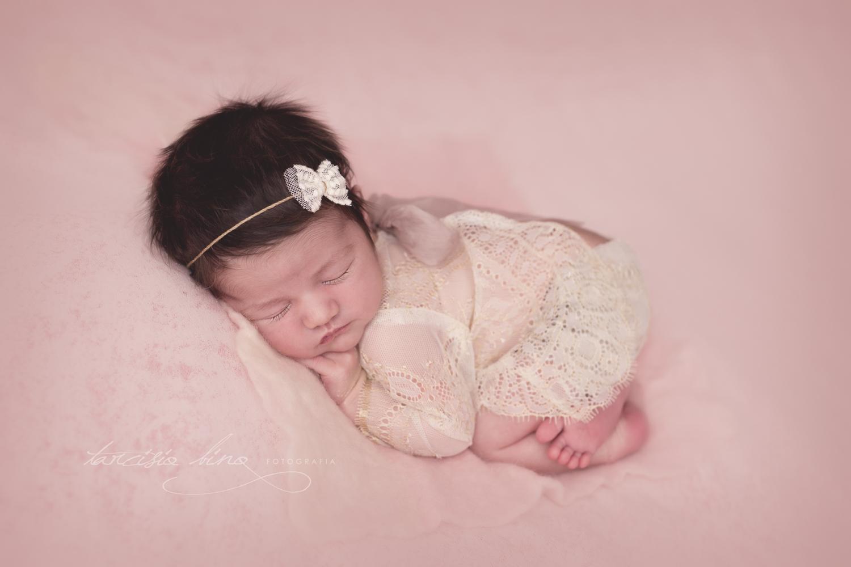 Newborn-Laura-2.jpg