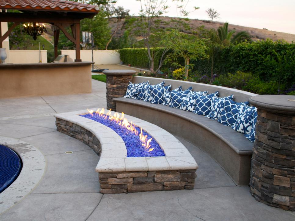 A simple addition to any outdoor living space will really transformer your backyard. Make your patio the one all the neighbors talk about and call Lighthouse Pavers for all of your hardscape, summer kitchen, paver, and landscape design/architecture needs. (click on photo to view  HGTV.com 's full post)