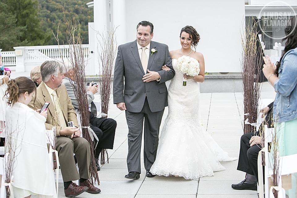 Mount_Washington_Hotel_Wedding_Photography_New_Hampshire_Fall_Danielle_Vinnie_10.JPG