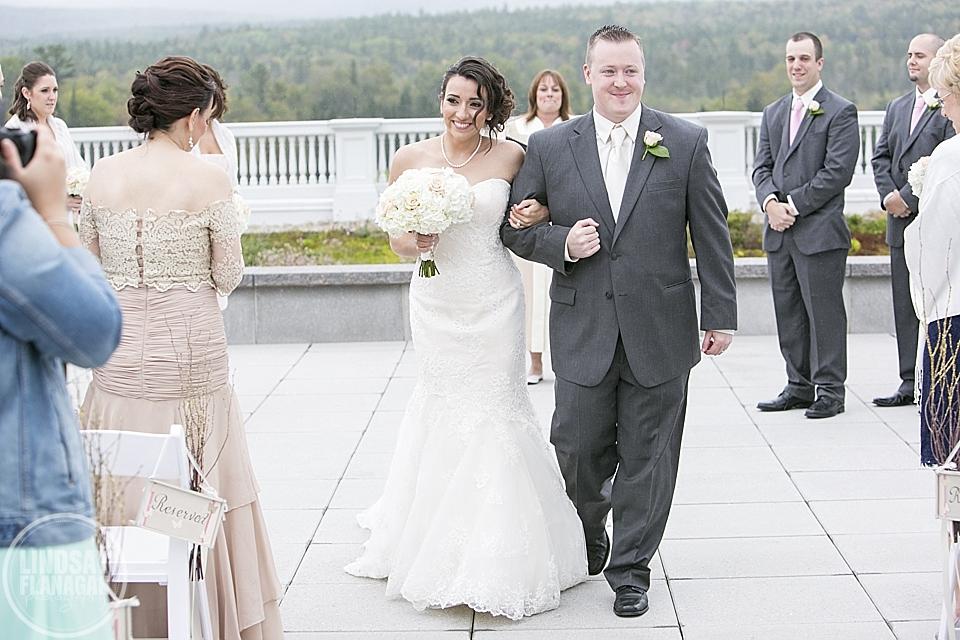 Mount_Washington_Hotel_Wedding_Photography_New_Hampshire_Fall_Danielle_Vinnie_14.JPG