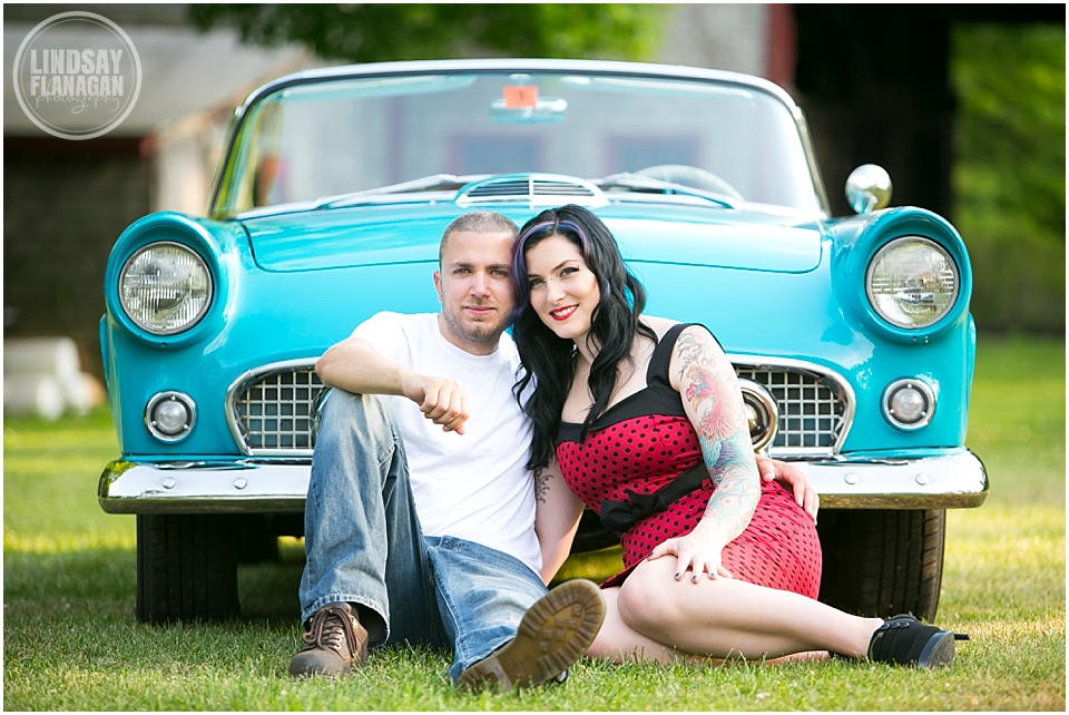 Retro-engagement-session-NH-Wedding-photographer-Lindsay-Flanagan-Photography_0002.jpg