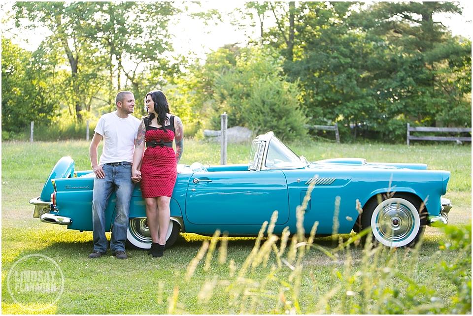 Retro-engagement-session-NH-Wedding-photographer-Lindsay-Flanagan-Photography_0003.jpg